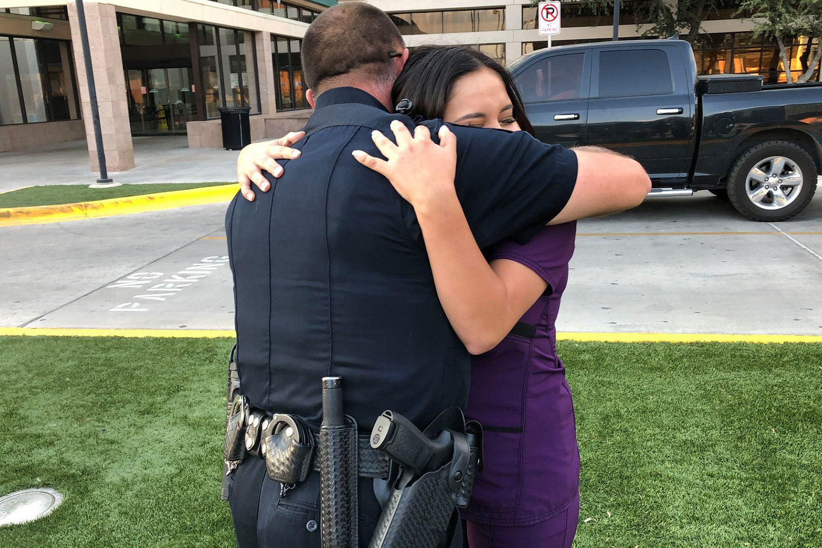 Thank-You Note Left on Odessa Police Officer's Car Leads to Emotional Meeting