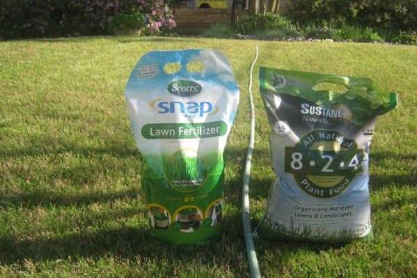 Chemical vs Organic Lawn Fertilizer -- Which Works Better?