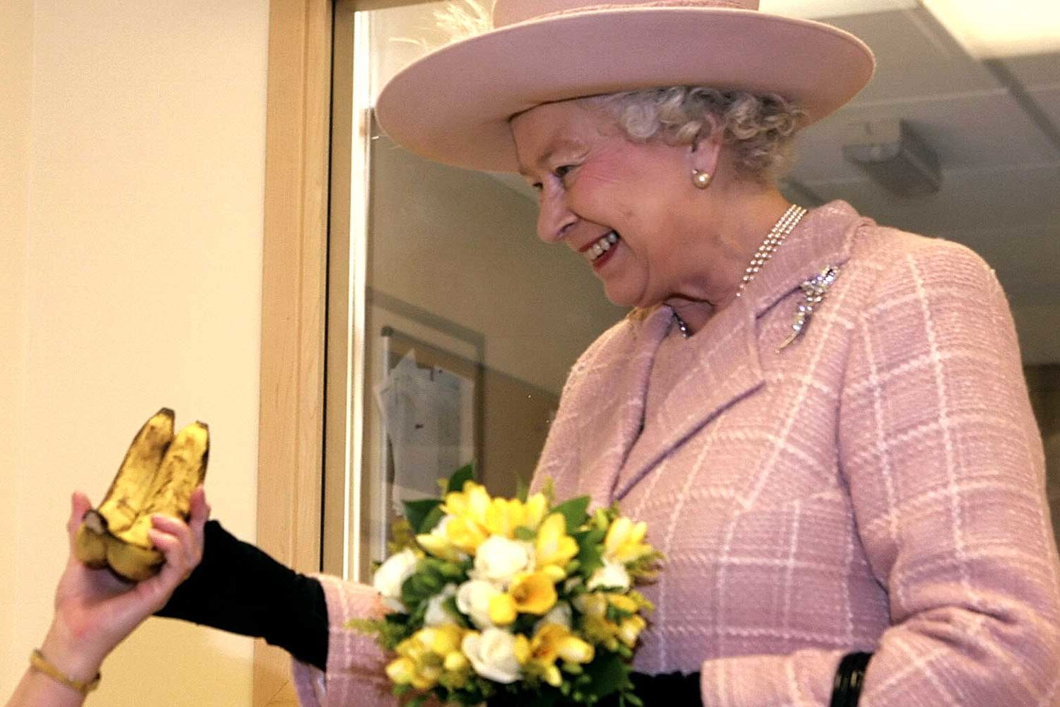 The Bizarre Way the Queen Eats Bananas