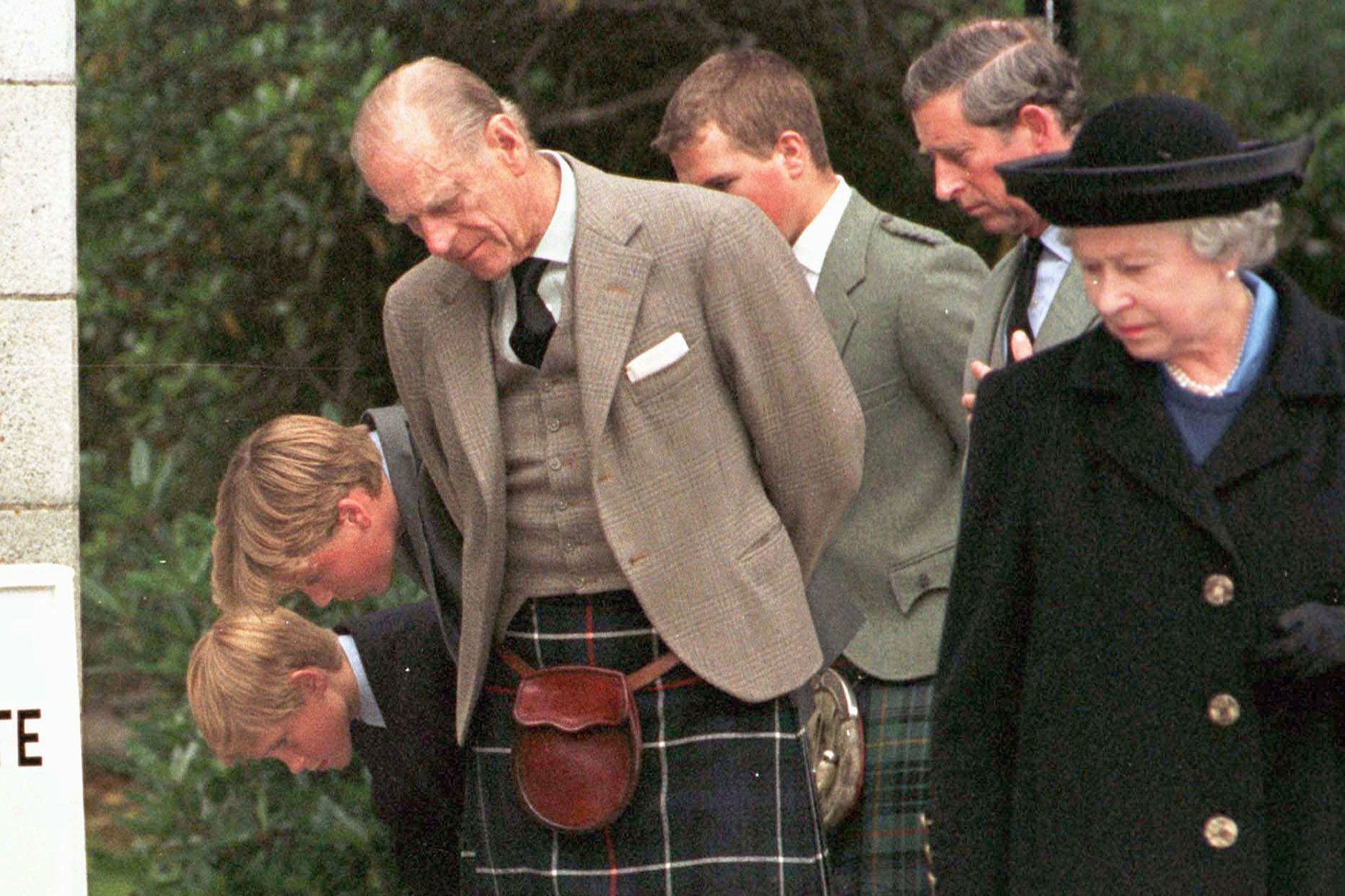 Inside the Subtle Moment the Queen Paid Tribute to Princess Diana After Her Death