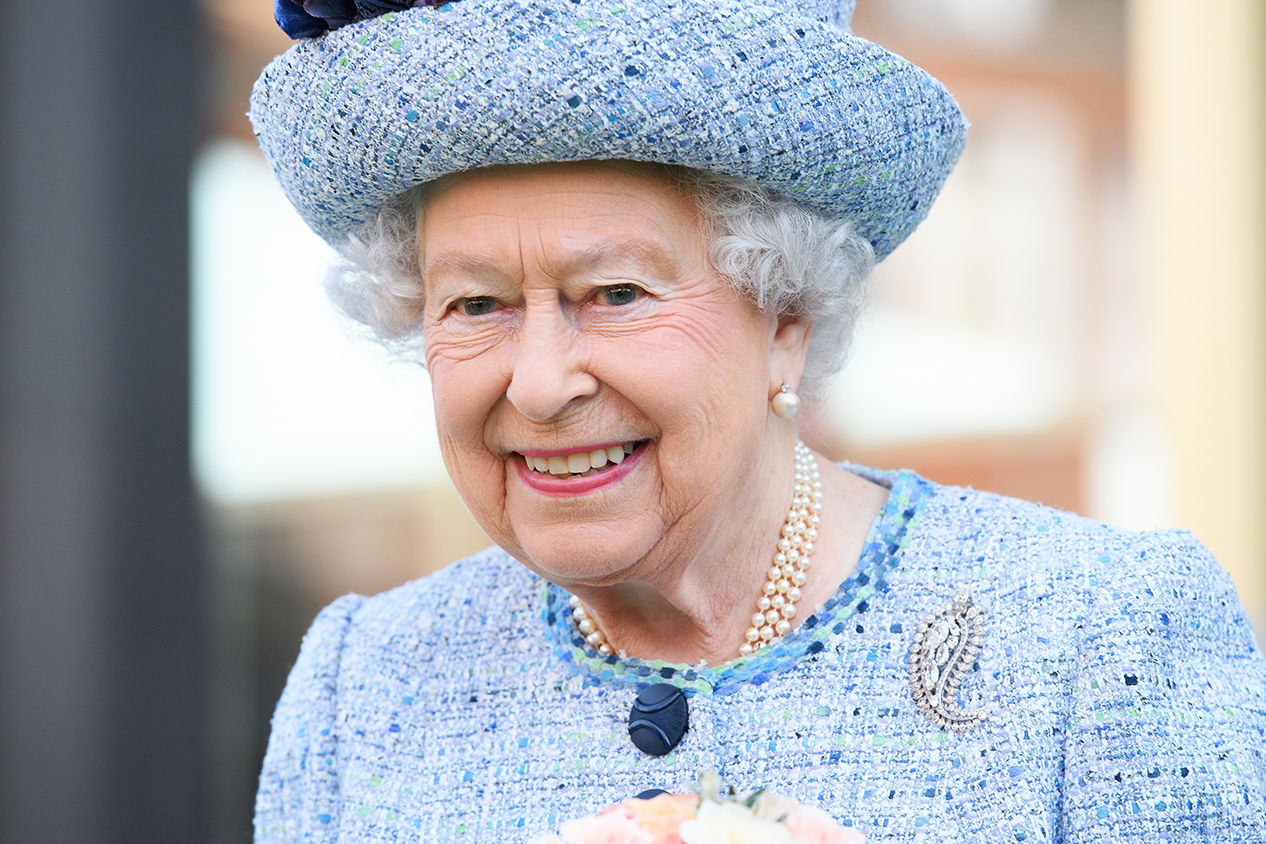The Queen Is Hiring an Assistant Chef to Work at Buckingham Palace