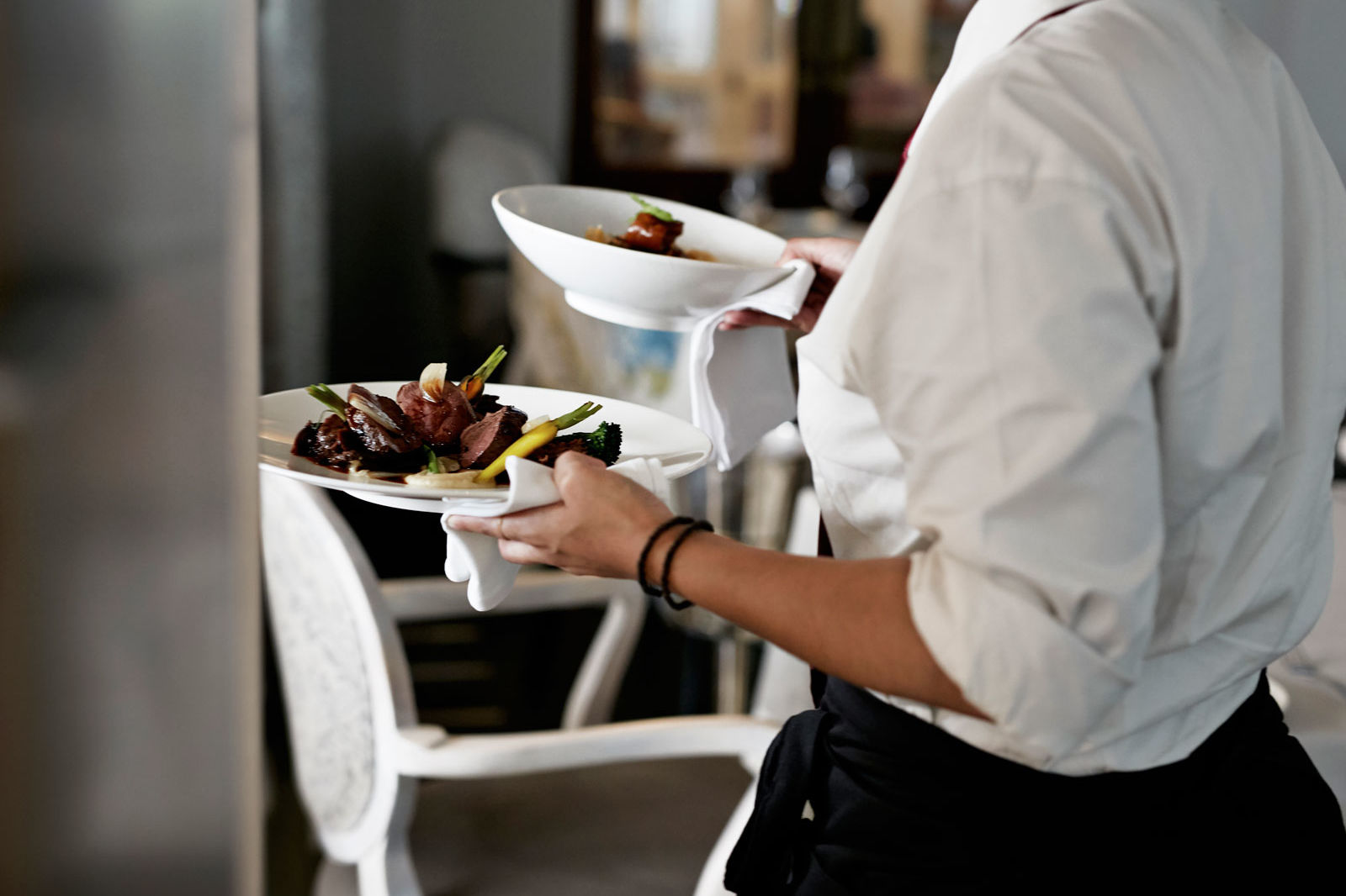 The Right Way to Send Food Back, According to Waiters and Chefs