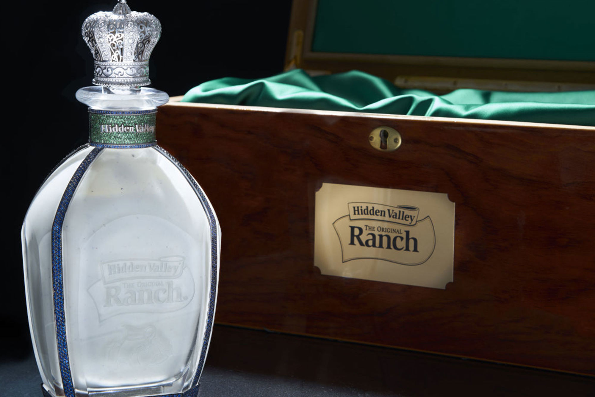 Hidden Valley Is Giving a $35,000 Diamond-Encrusted Bottle of Ranch Dressing to Prince Harry and Meghan Markle