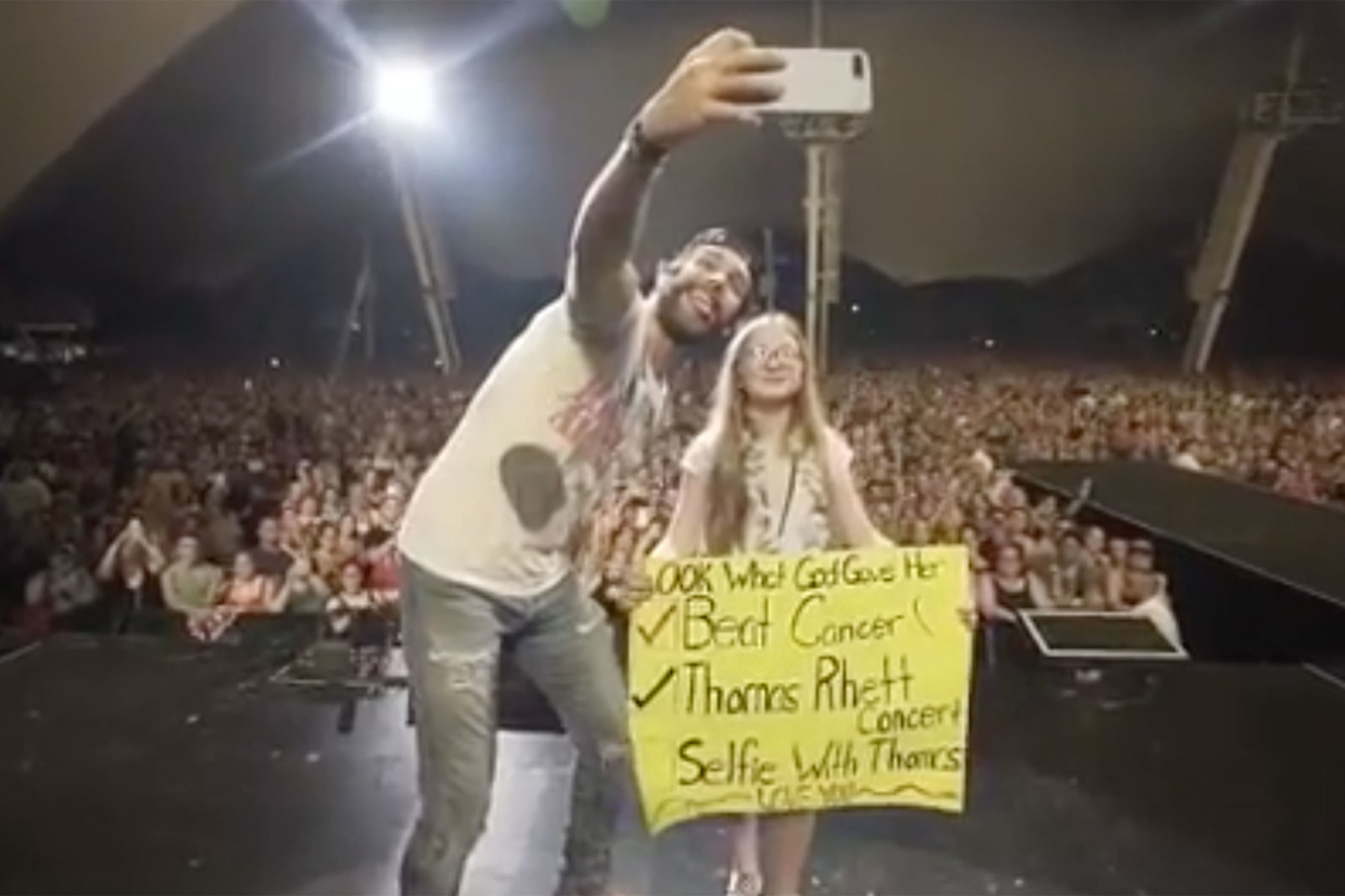Thomas Rhett Stops His Concert to Make a Young Cancer Survivor's Wish Come True