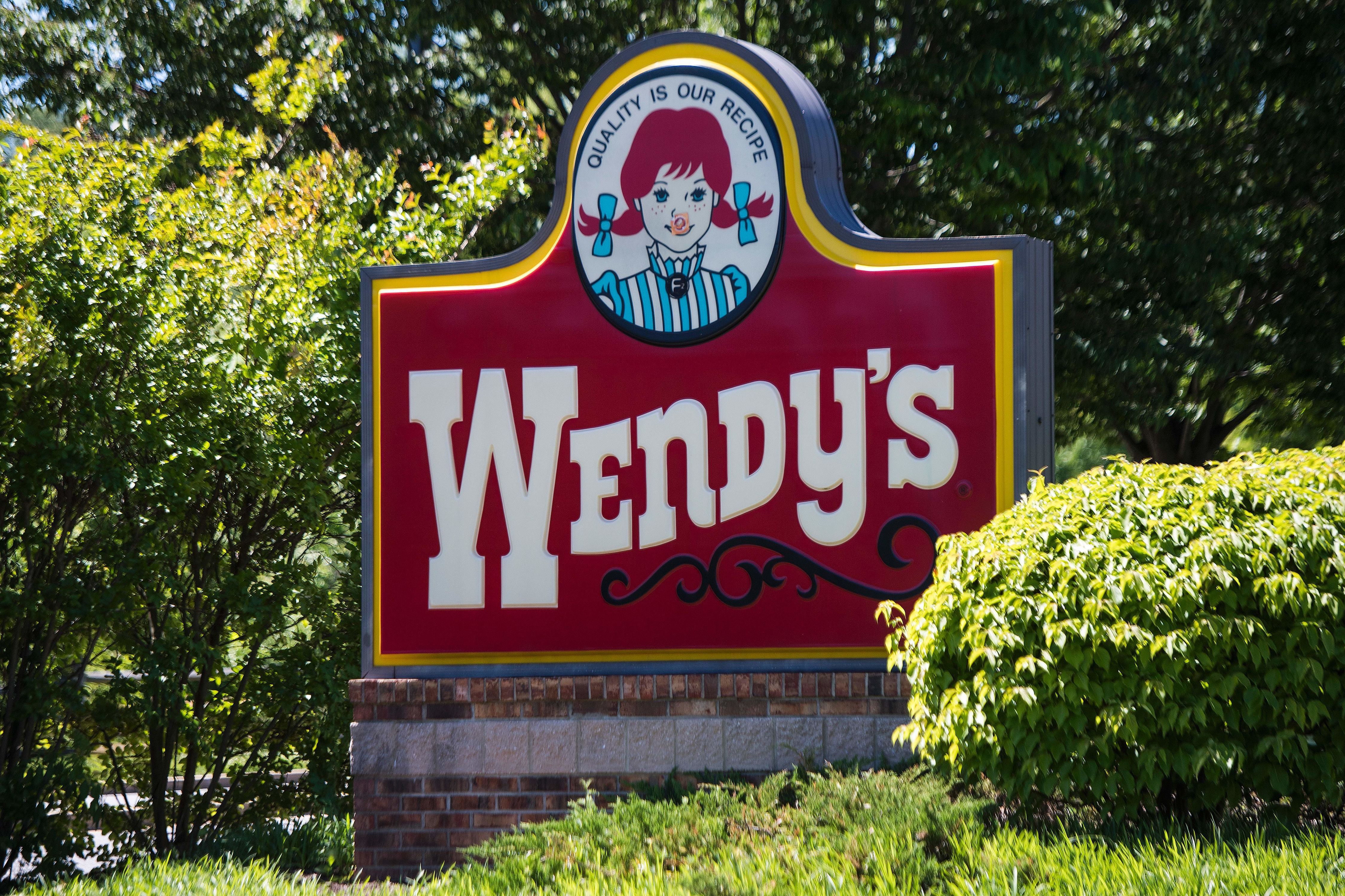 A Texas Wendy's Is Beefing With a Neighboring Store and the Signs Are Hilarious