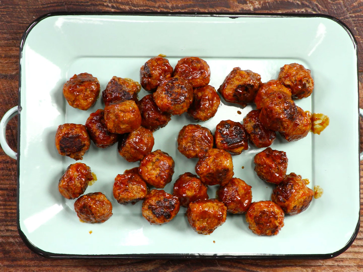 Sweet-and-Sour Meatballs Still Image