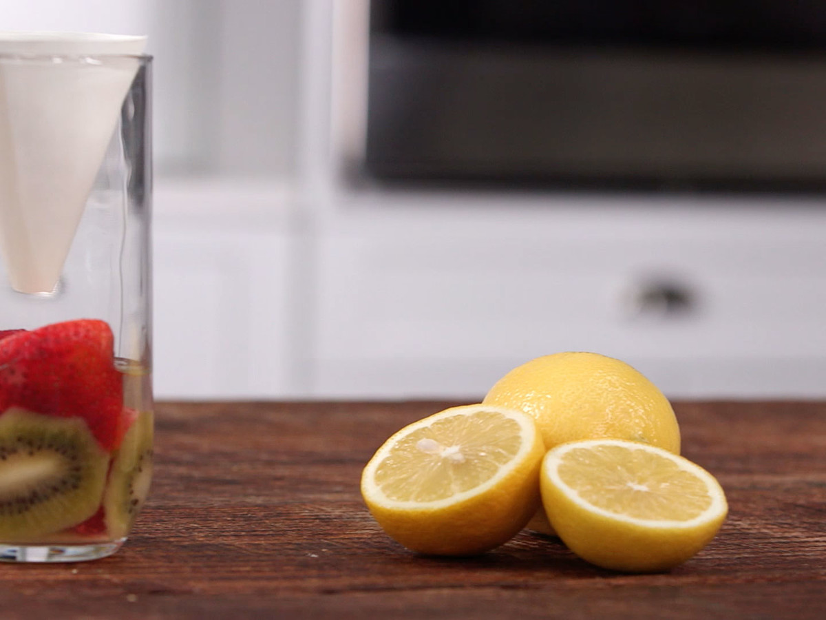 4 Ways To Get Rid Of Fruit Flies Still image