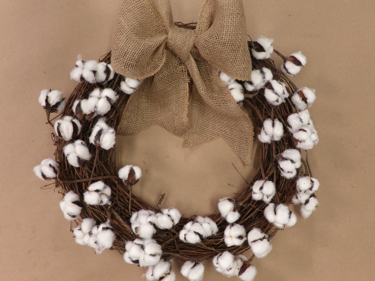 Cotton Boll Wreath Still