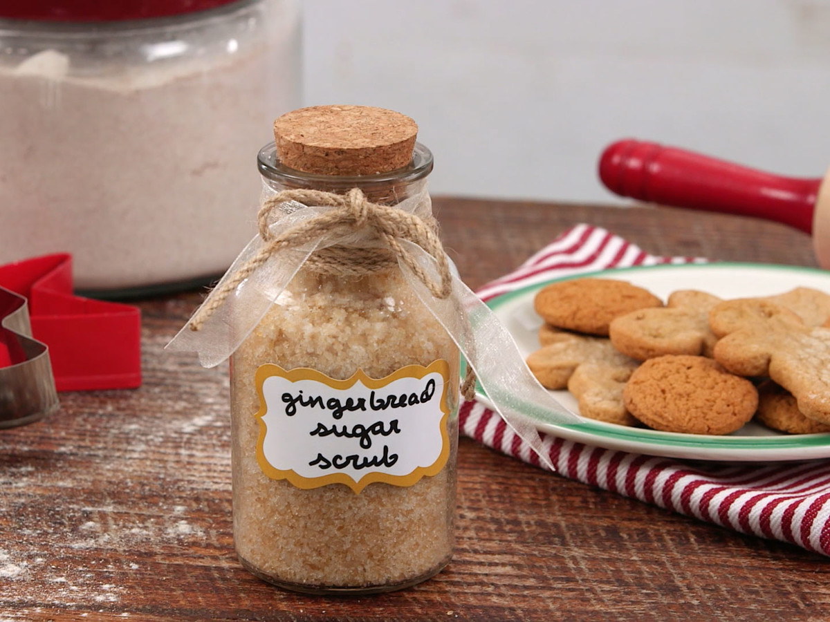 DIY Gingerbread Sugar Scrub