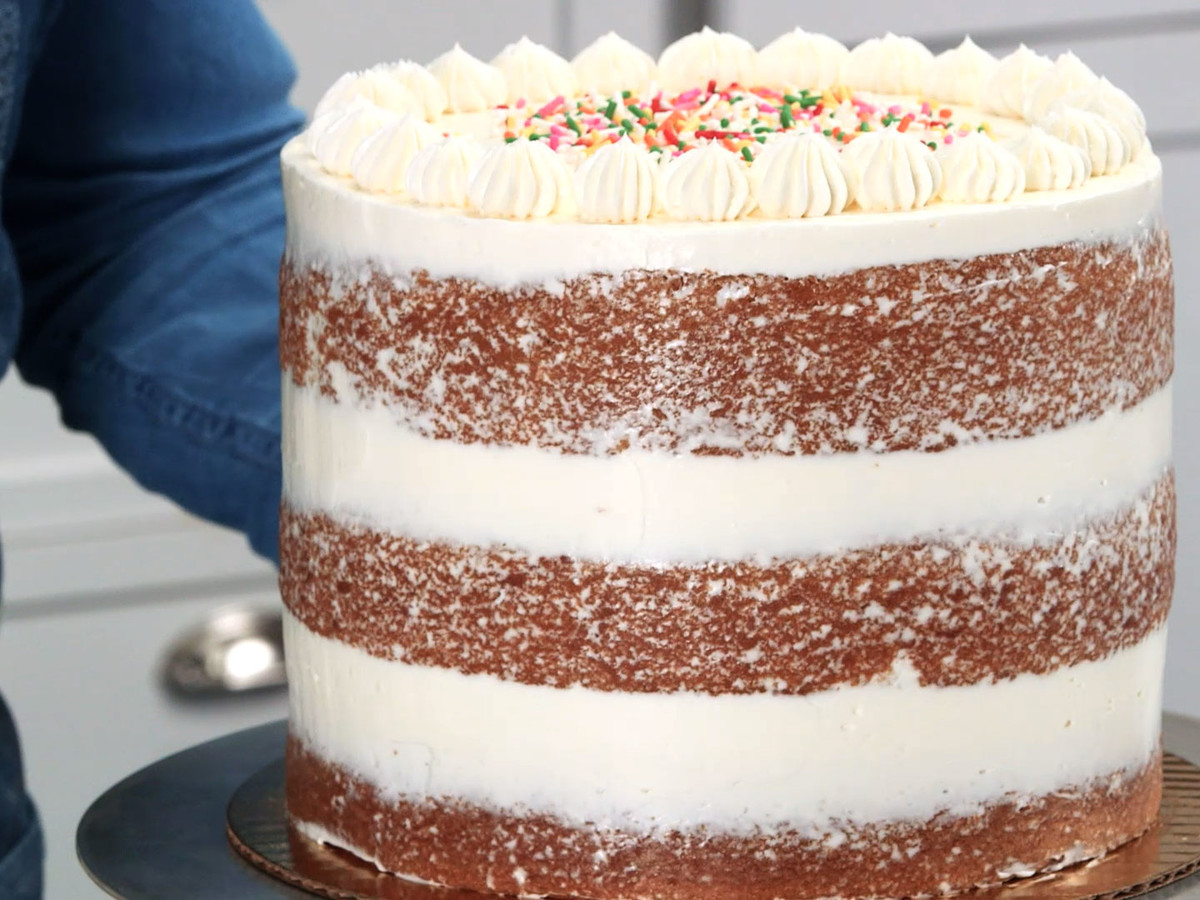 Baking Bandits How To Ice A Naked Cake