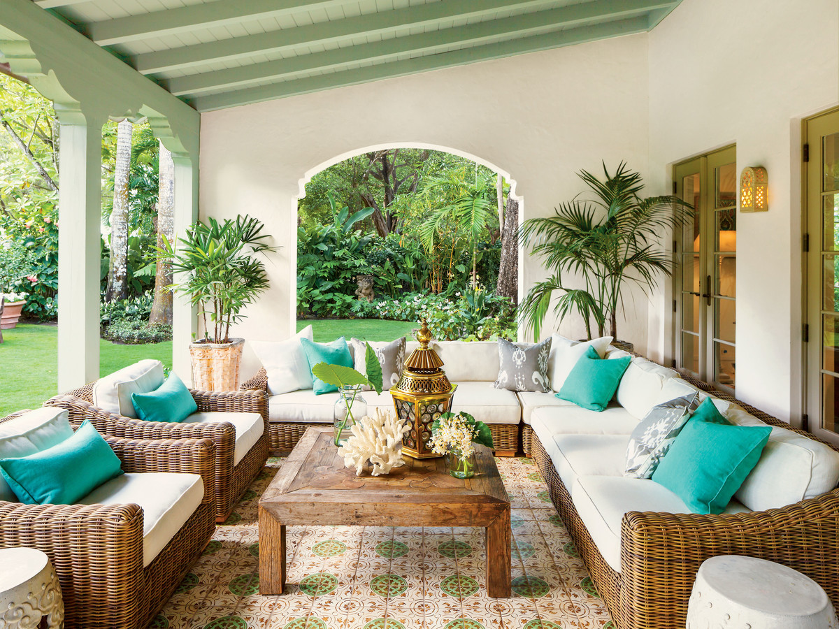 Spanish-Style Luxurious Loggia