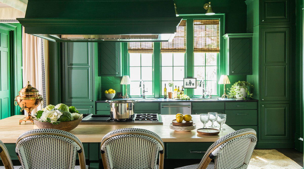 The Kitchen Paint Color Trend We Didnt See Coming In 2019