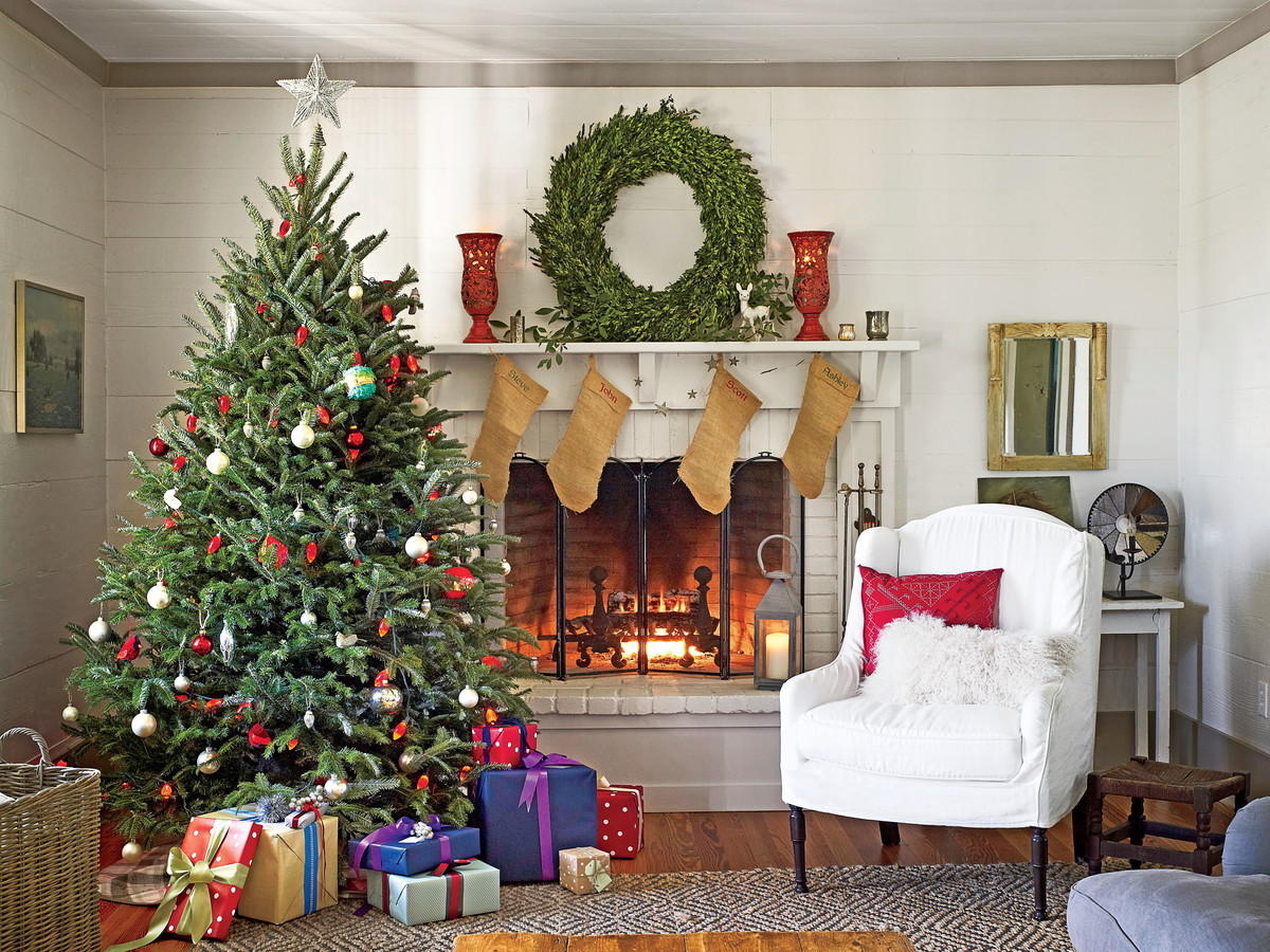 Living room design decor ideas southern living - How to decorate living room for christmas ...