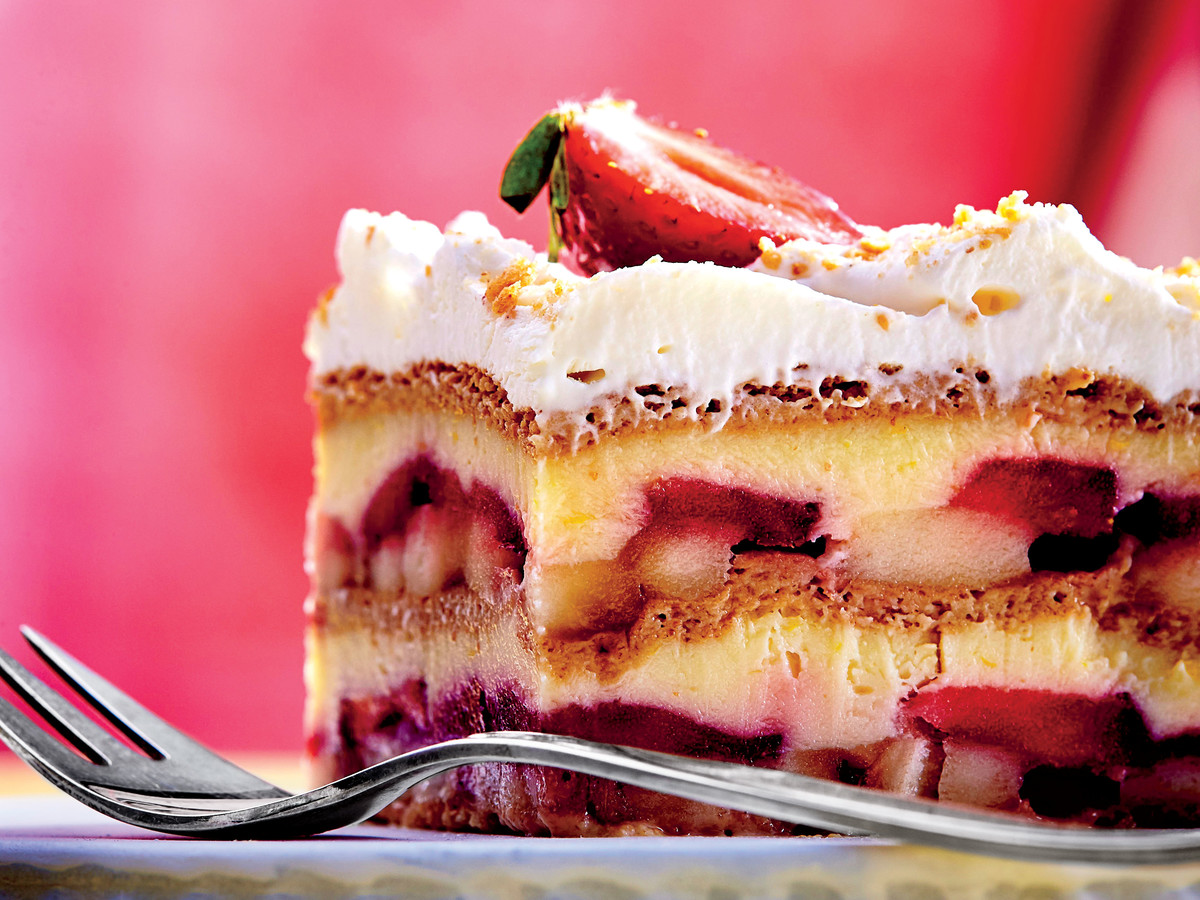 strawberry banana pudding icebox cake recipe southern living