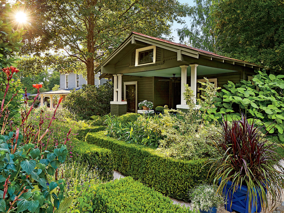 See A Beautiful Southern Spin On Formal Garden Design