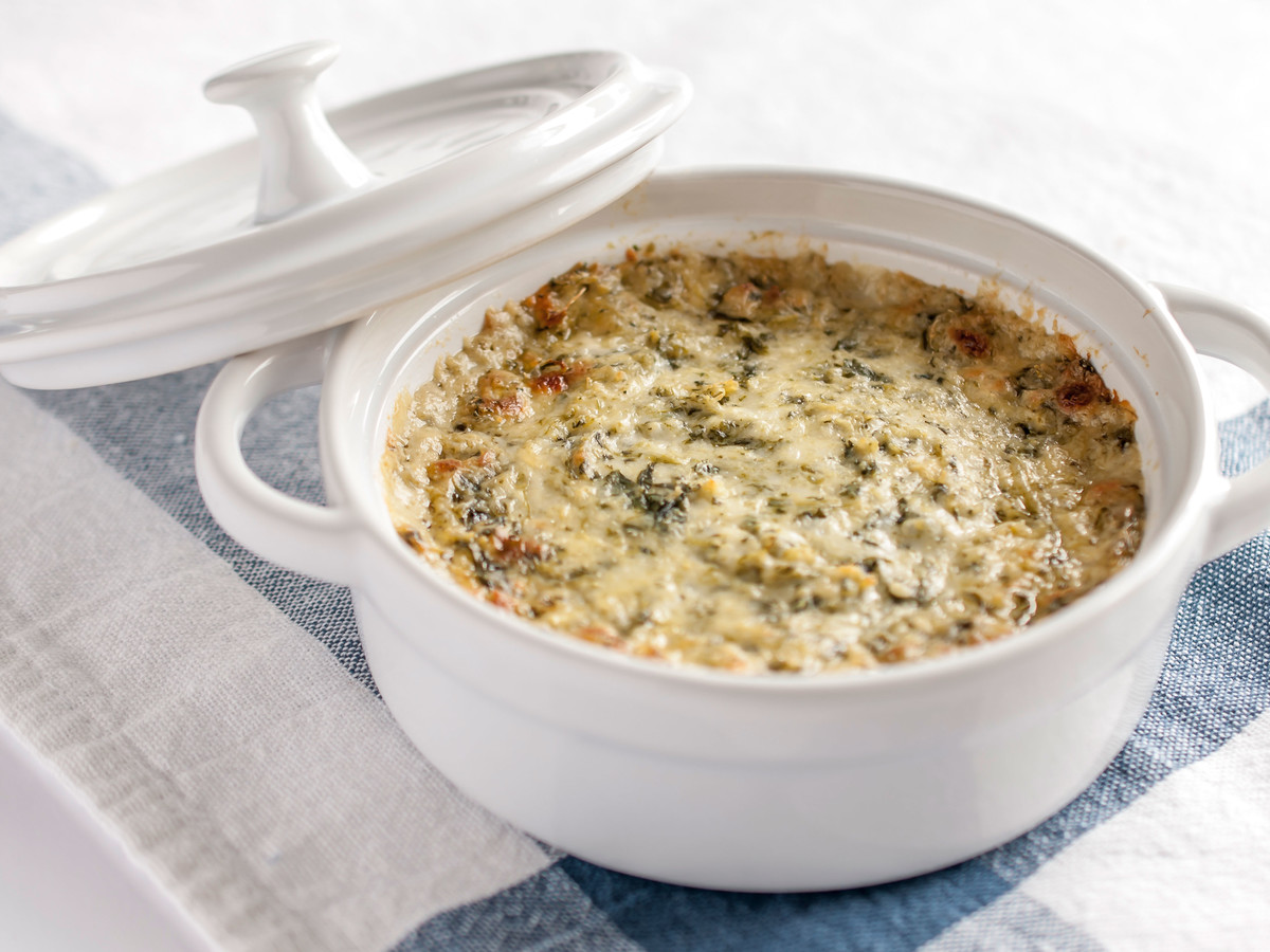 This Epic Junior League Spinach Dip Is Going To Be Your Go-To Party Appetizer