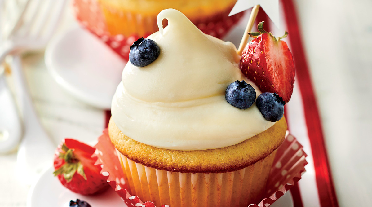 Red, White, and Blueberry-Filled Cupcakes