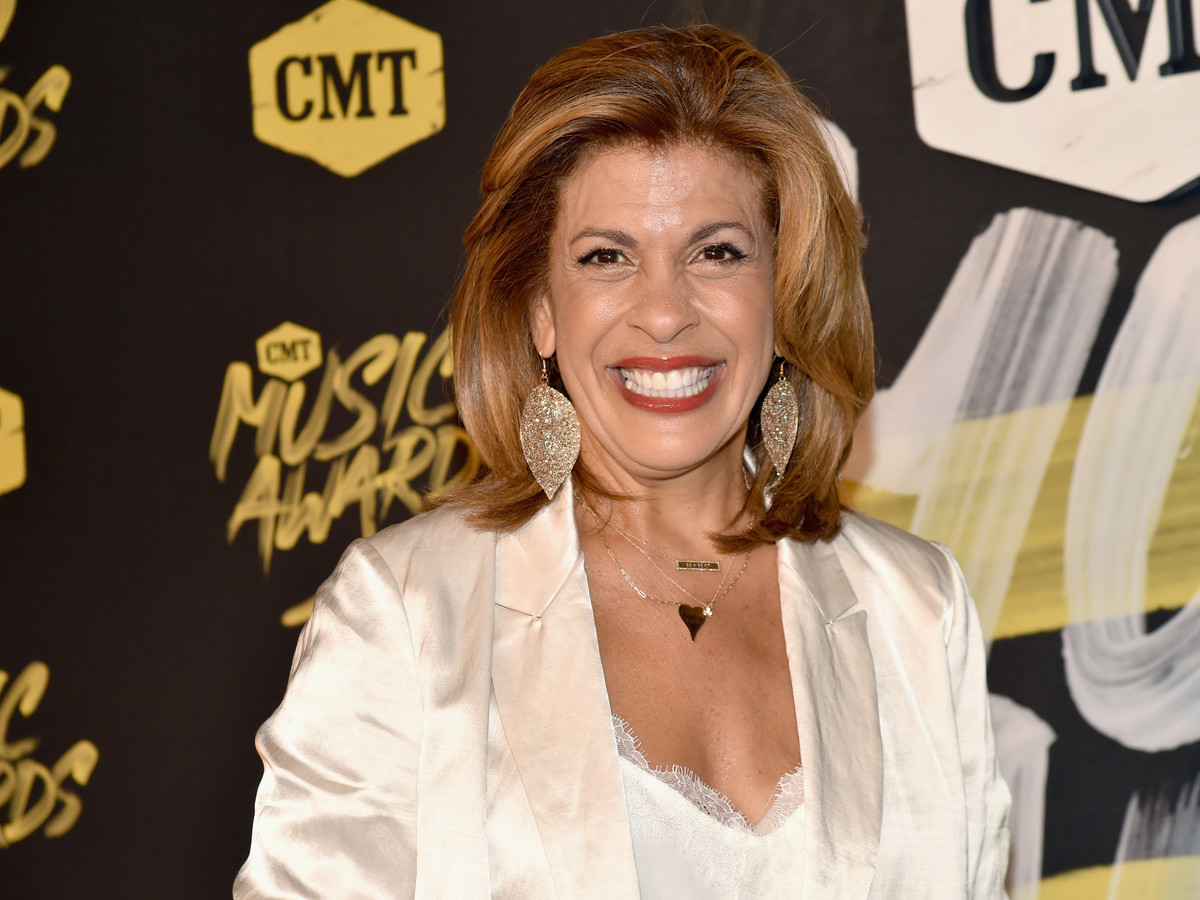 Hoda Kotb CMT Awards