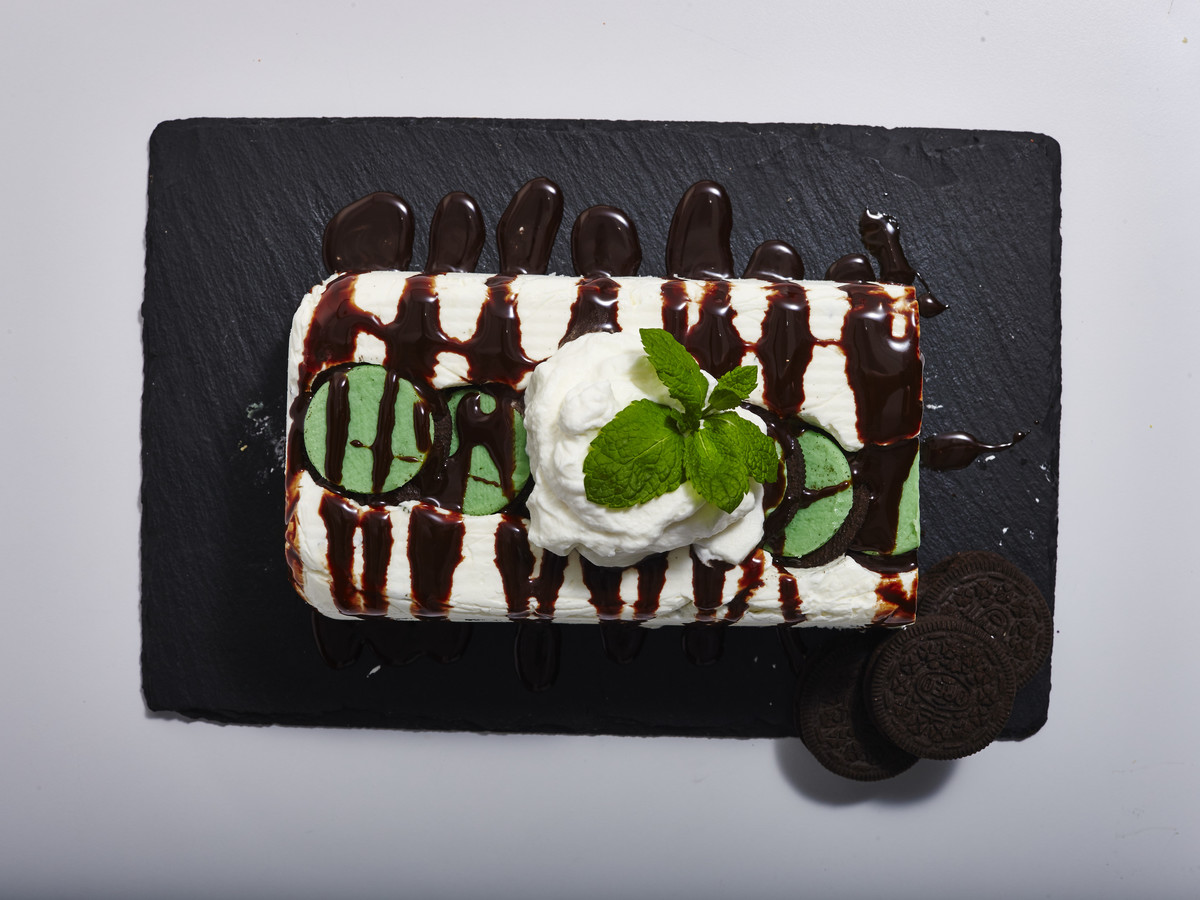 Mint Oreo Icebox Cake image