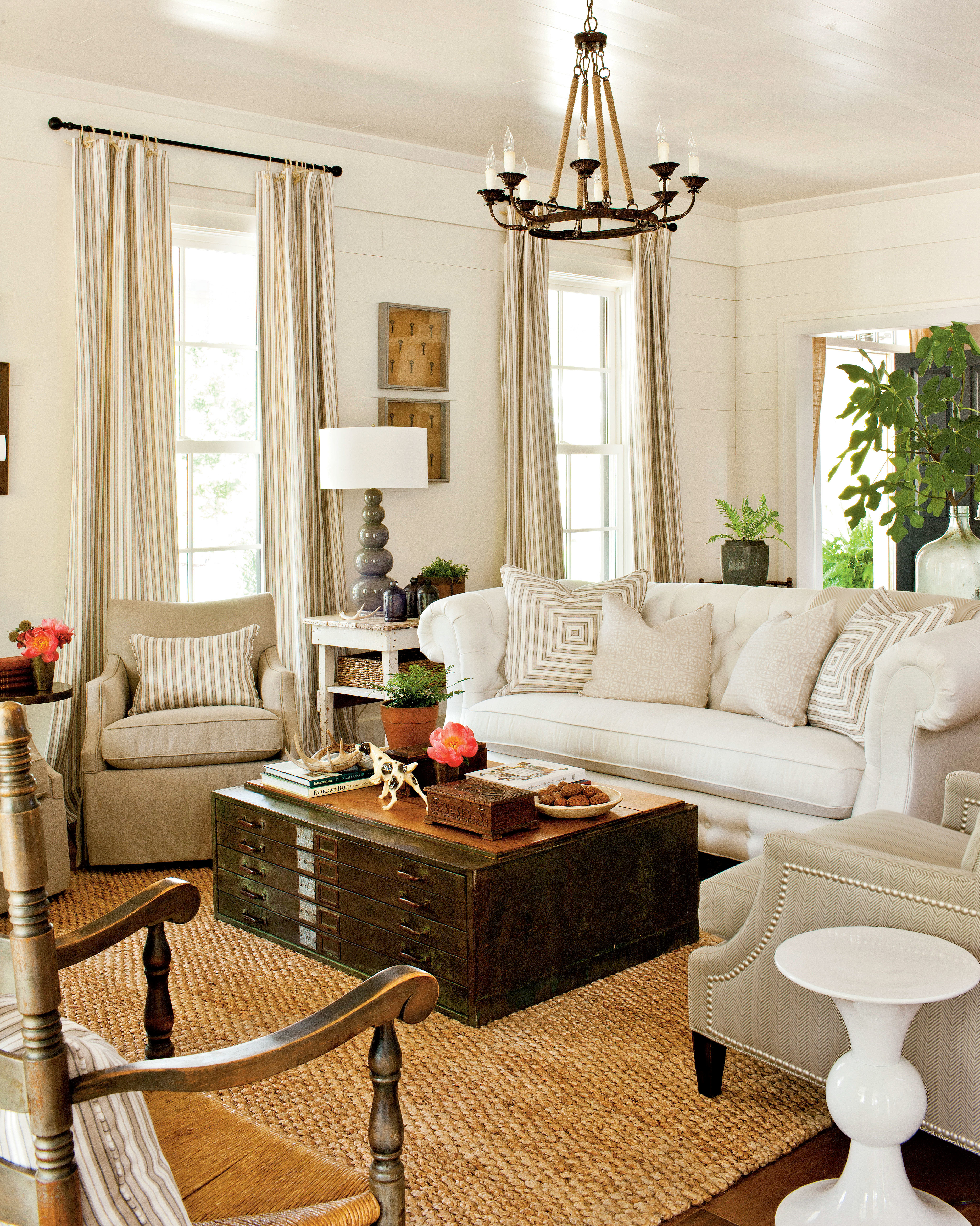 Southern Living Living Room Choose A Statement Sofa For A Large Room 106 Living Room
