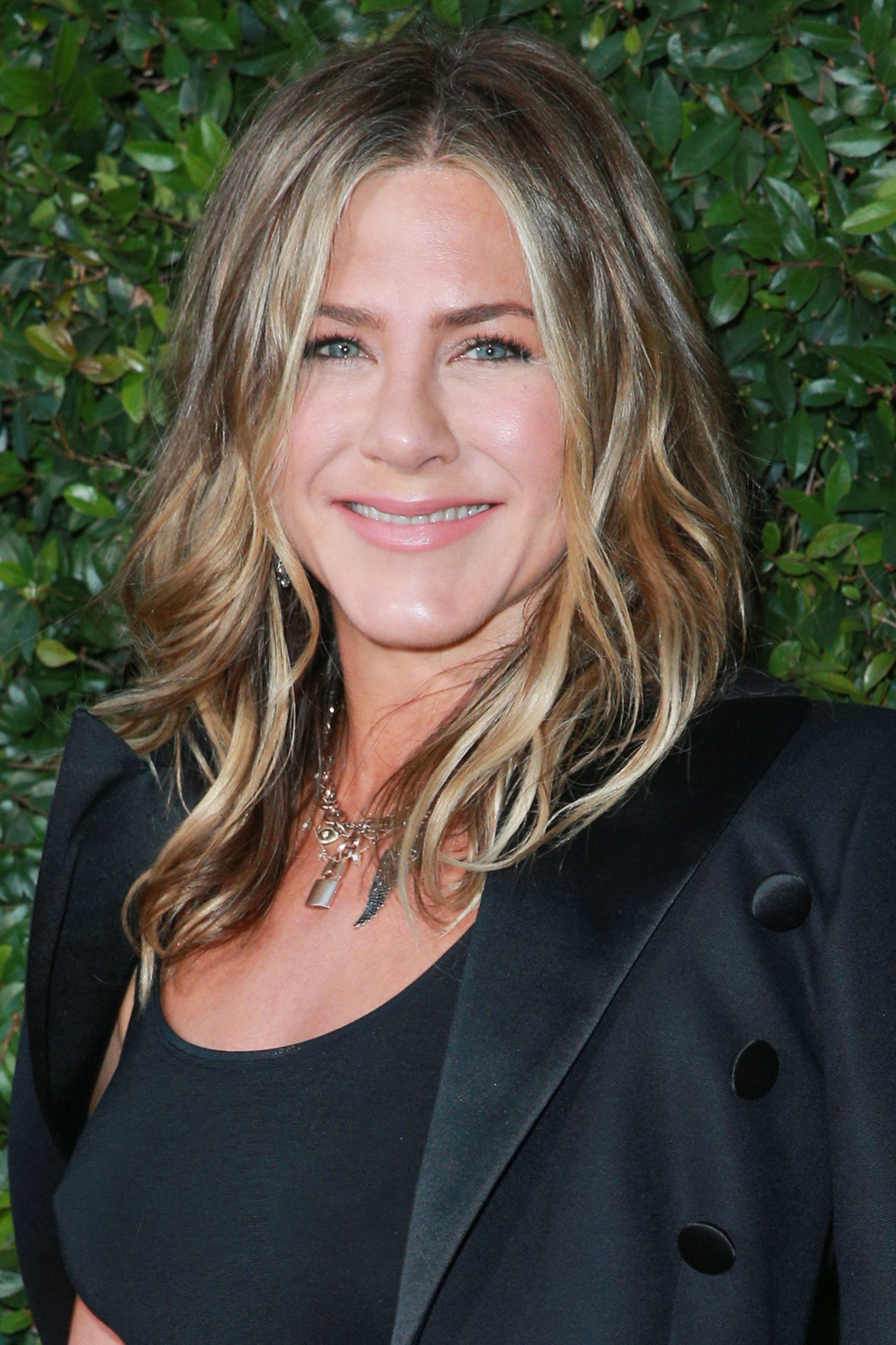 The One Thing Jennifer Aniston Does Before Seeing Her Hairstylist