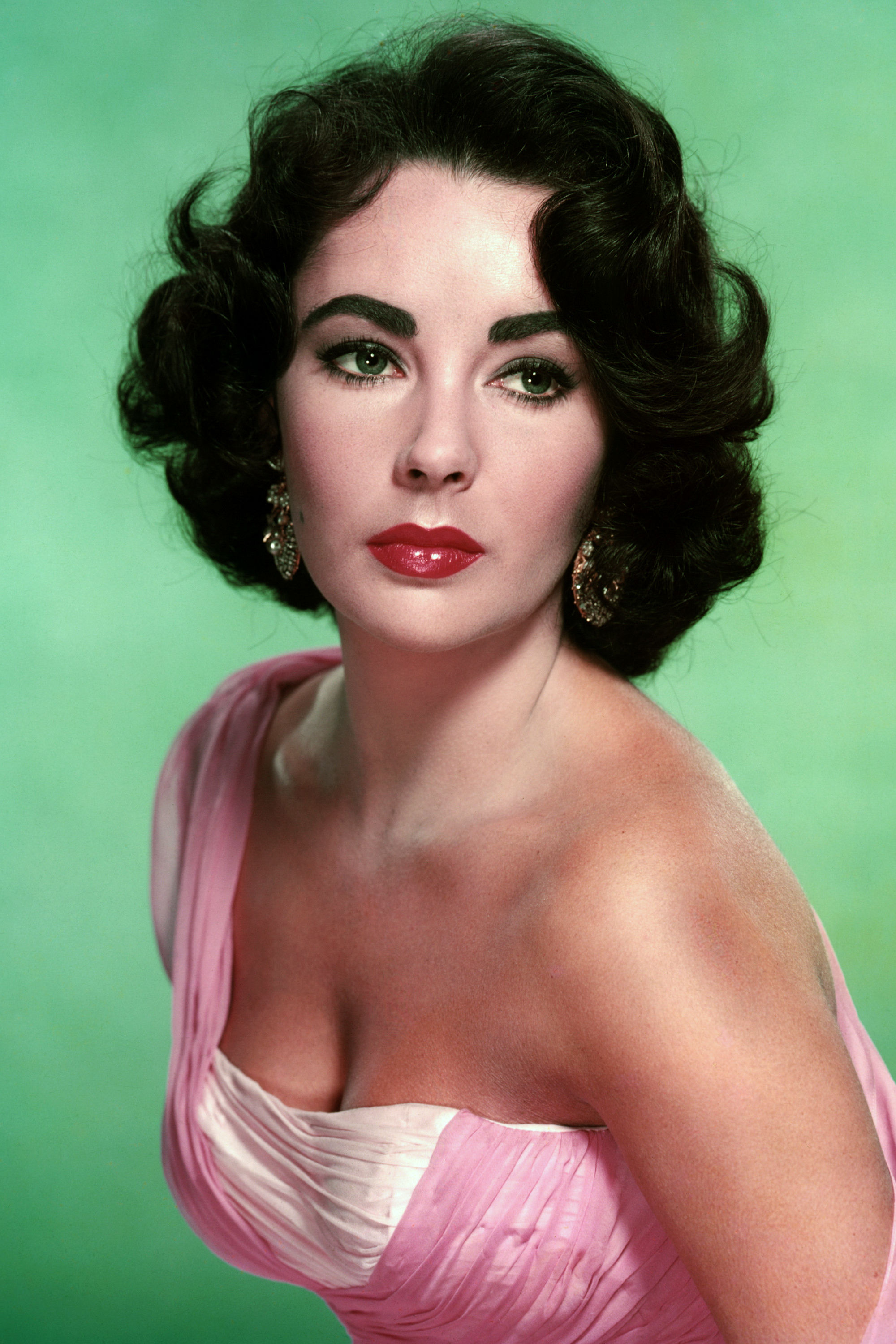 The Timeless Beauty Tips Elizabeth Taylor Passed Down to Her Granddaughter