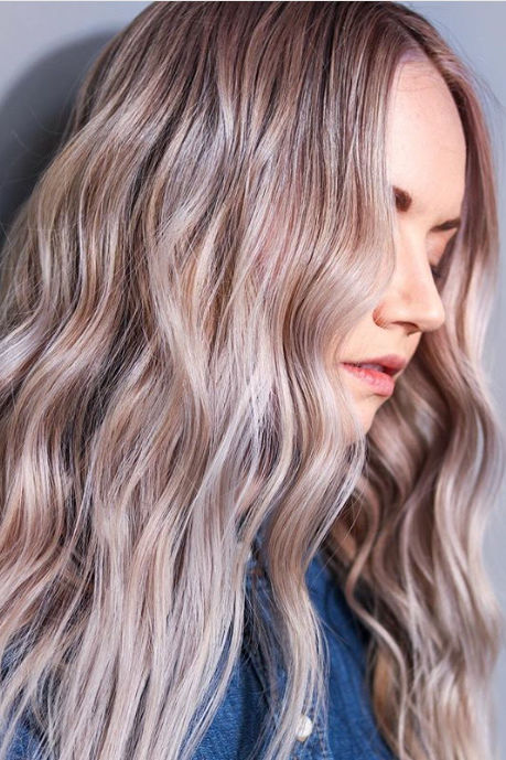 Attention, Brunettes: Cinnamon Sugar Crunch is the Sweetest Hair Color Trend for Spring
