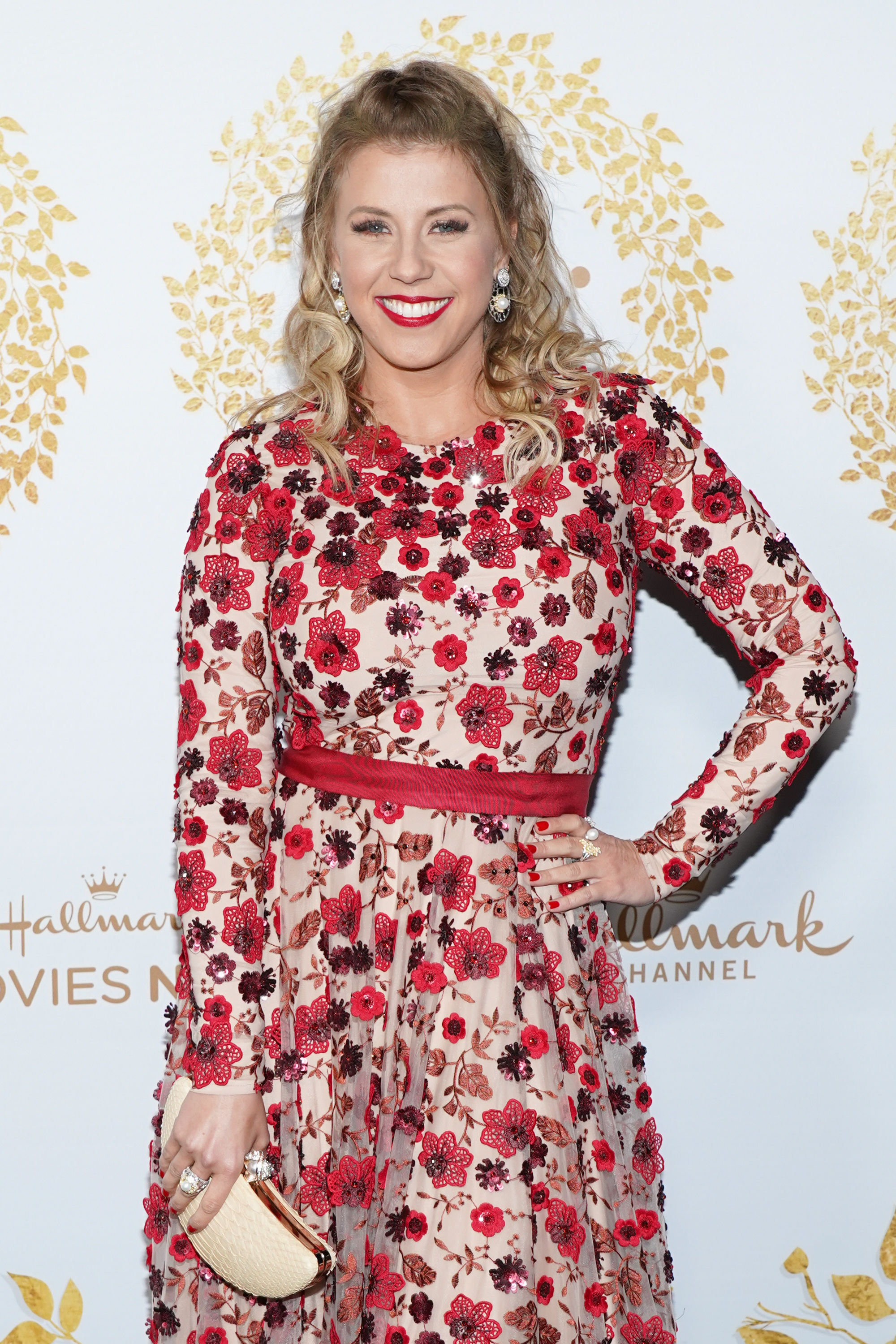 Jodie Sweetin Is Starring in a New Hallmark Christmas Movie