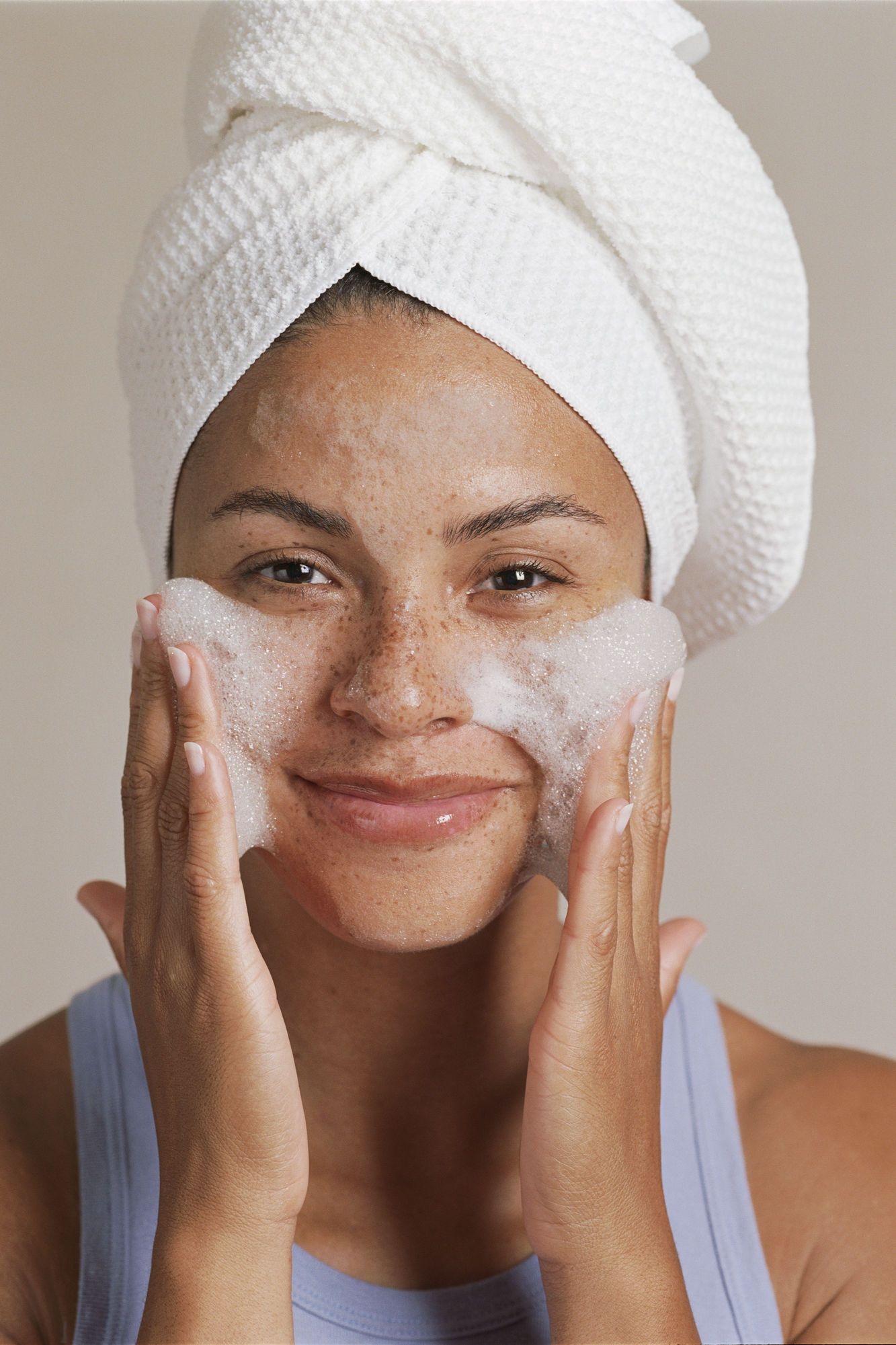 What's the Difference Between Face Wash and Face Cleanser?