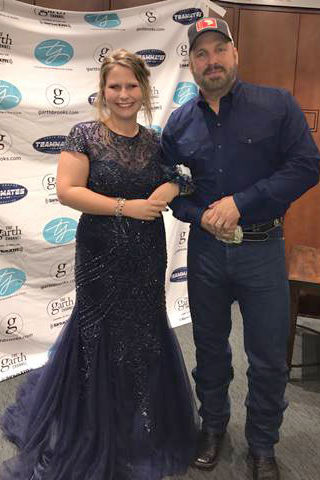 Garth Brooks Makes a Fan's Prom Dreams Come True