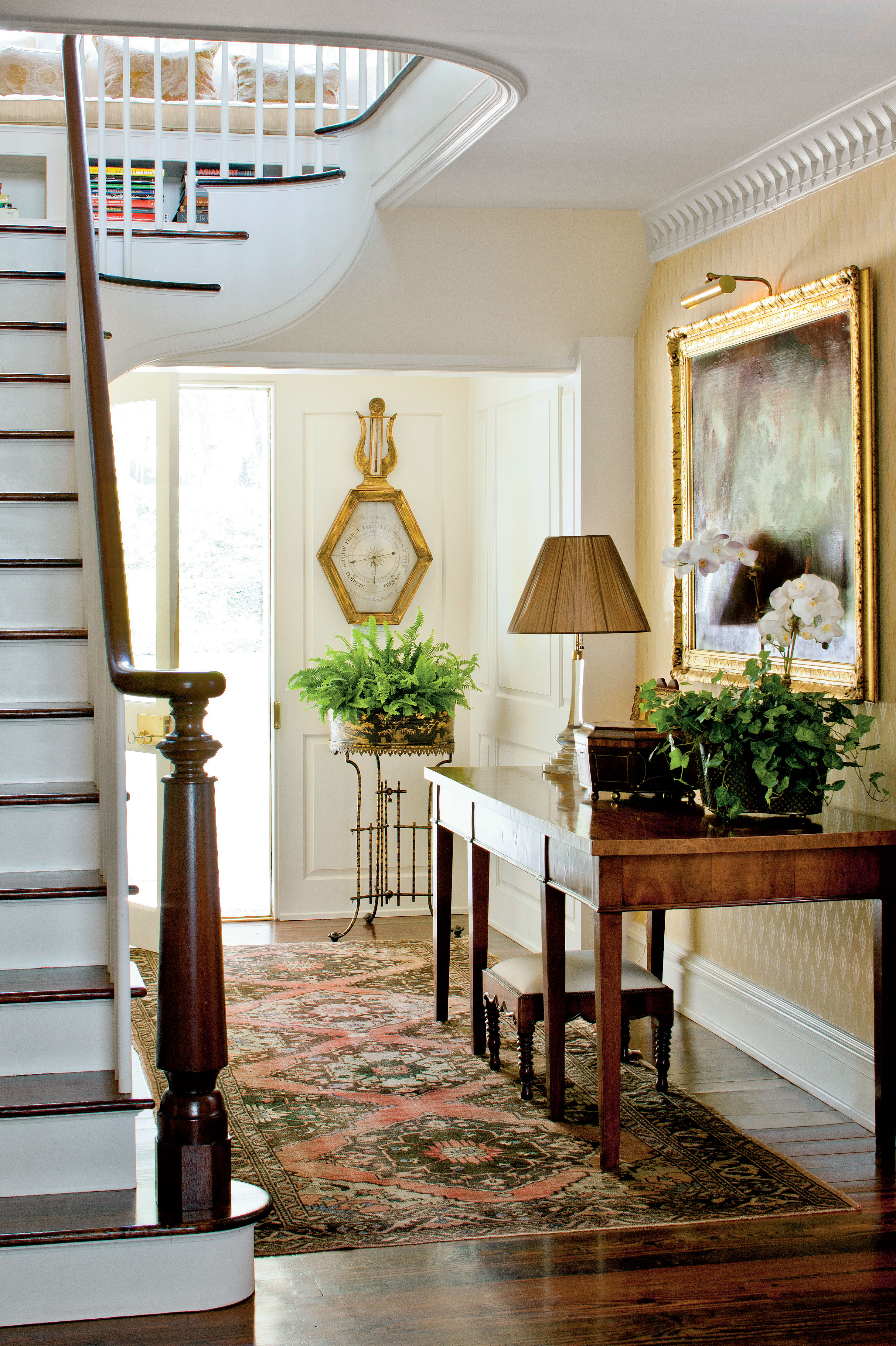 How To Decorate Your Foyer