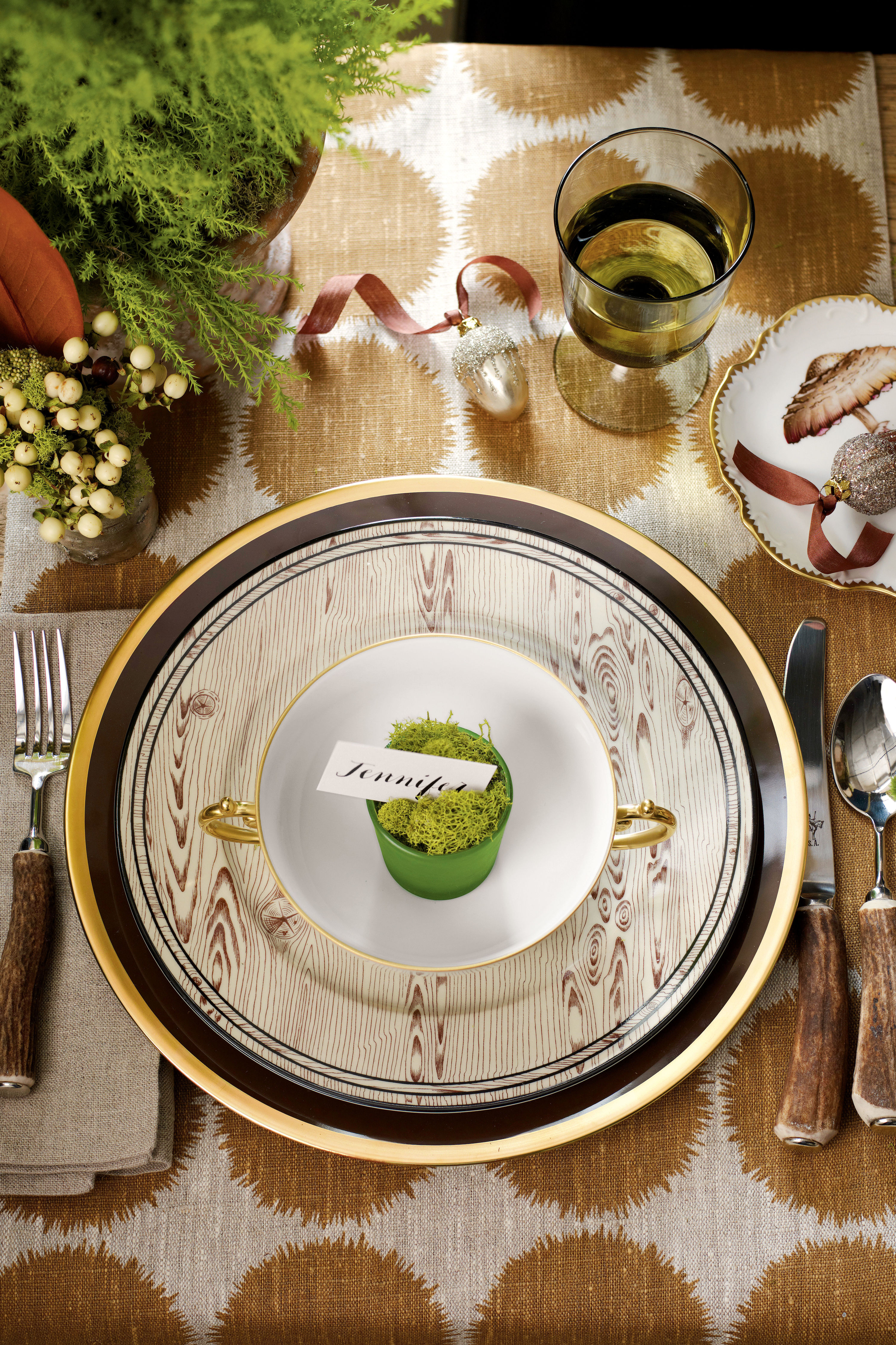 & How To Set a Stunning Table - Southern Living