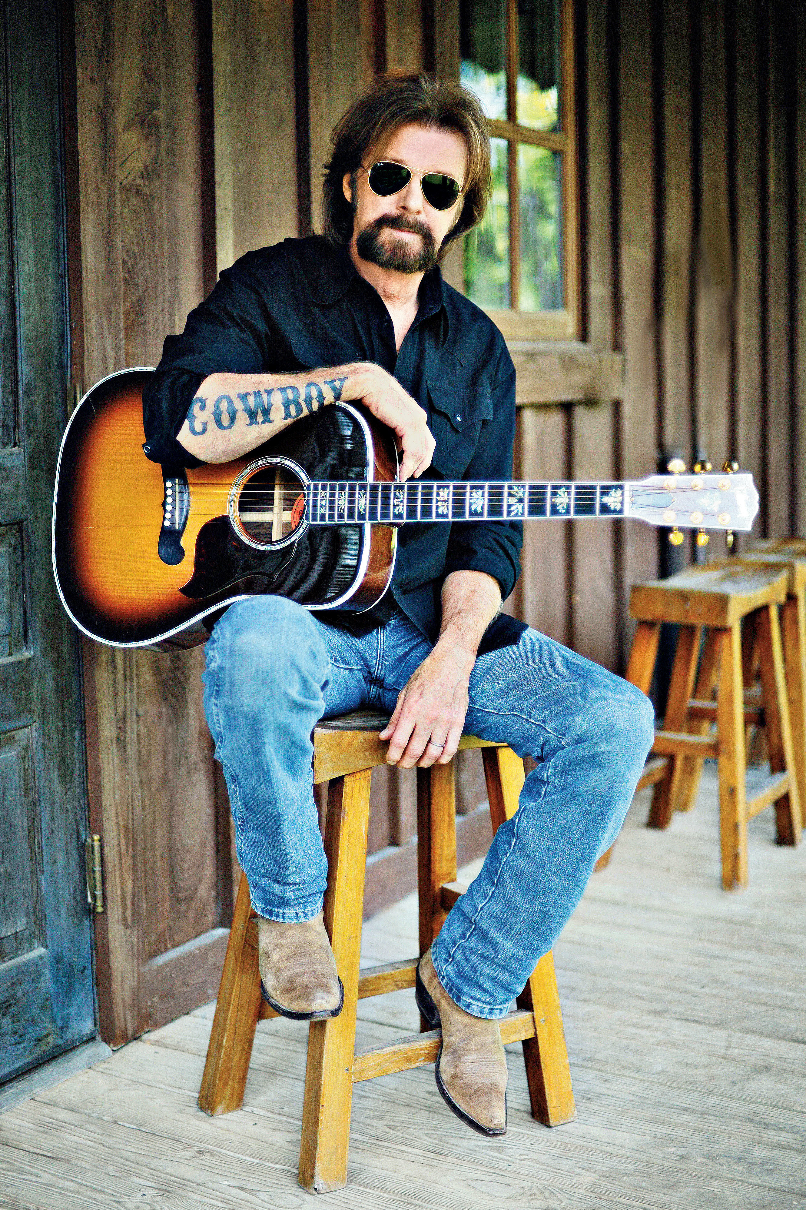 Paper Napkin Interview: Dishing with Ronnie Dunn