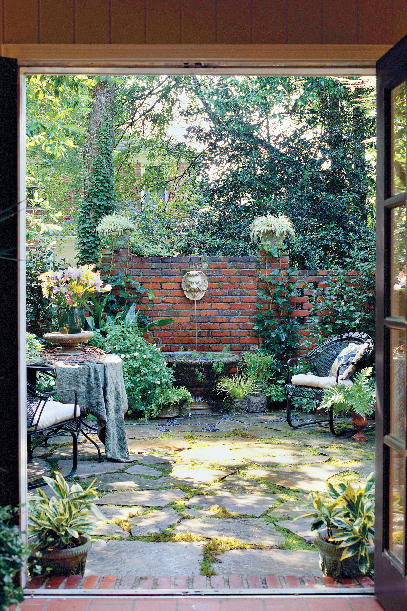 Shady Courtyard Makeover