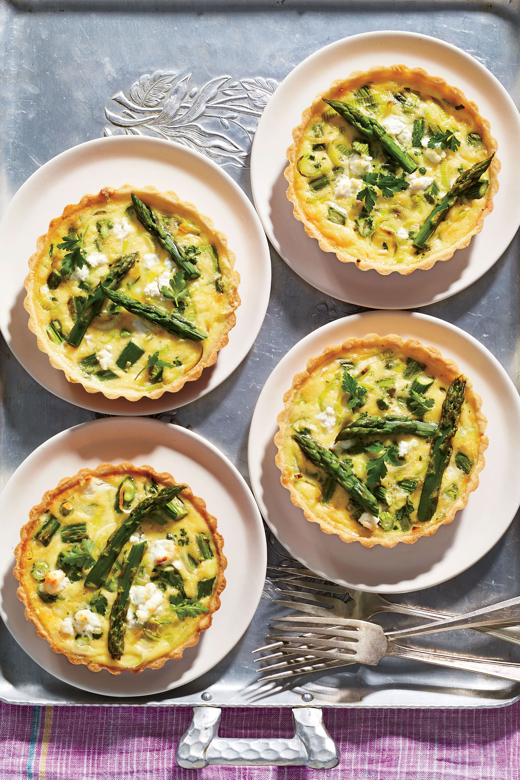 Mini Quiche Recipe with Asparagus and Goat Cheese