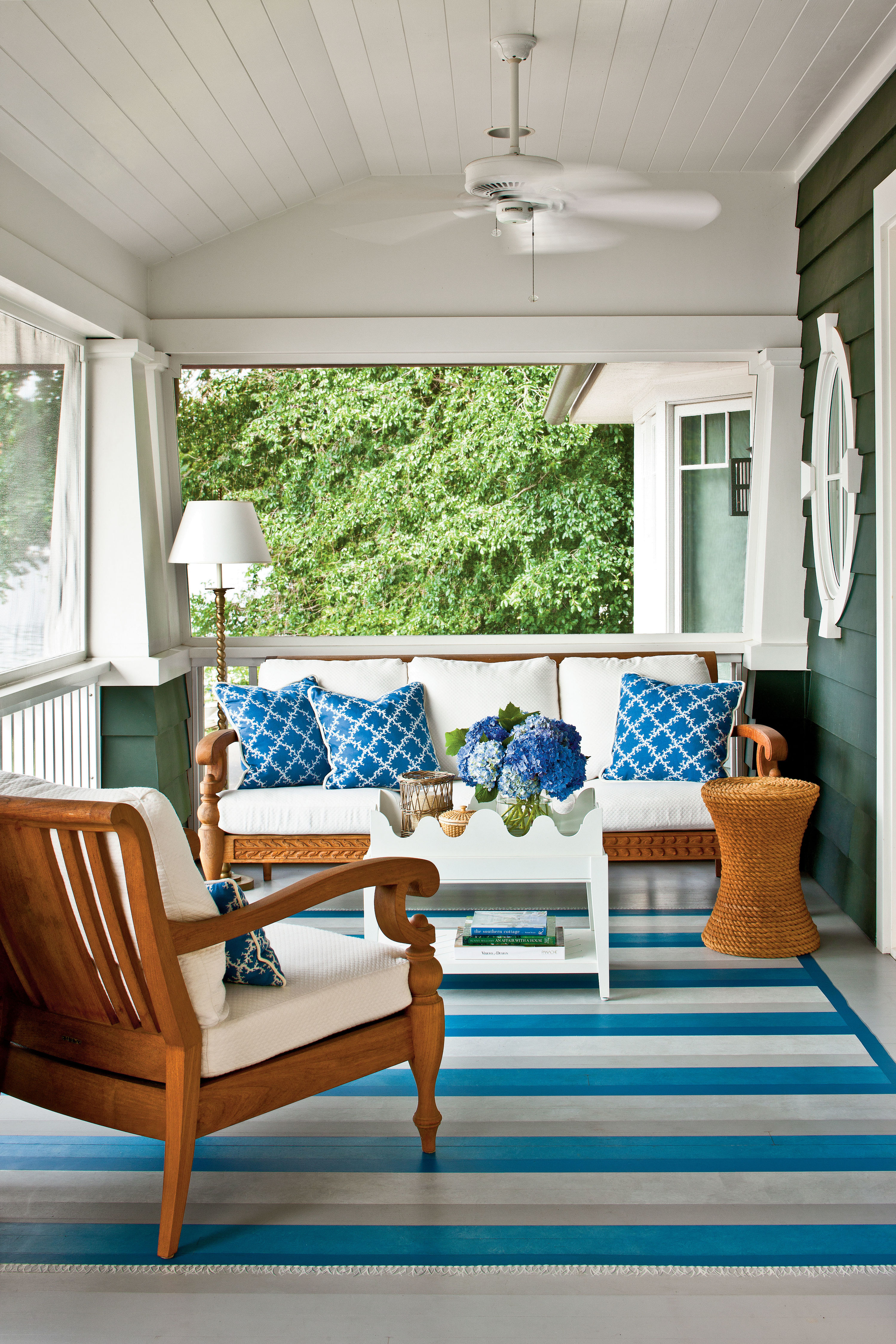 Outdoor Decorating Trends That Will Be In for the Summer of '17