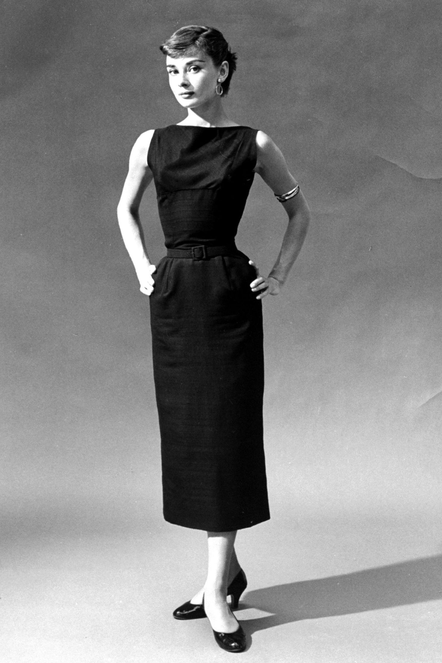 065cb87a86 The Essential Style Tips Every Southern Woman Should Steal From Audrey  Hepburn