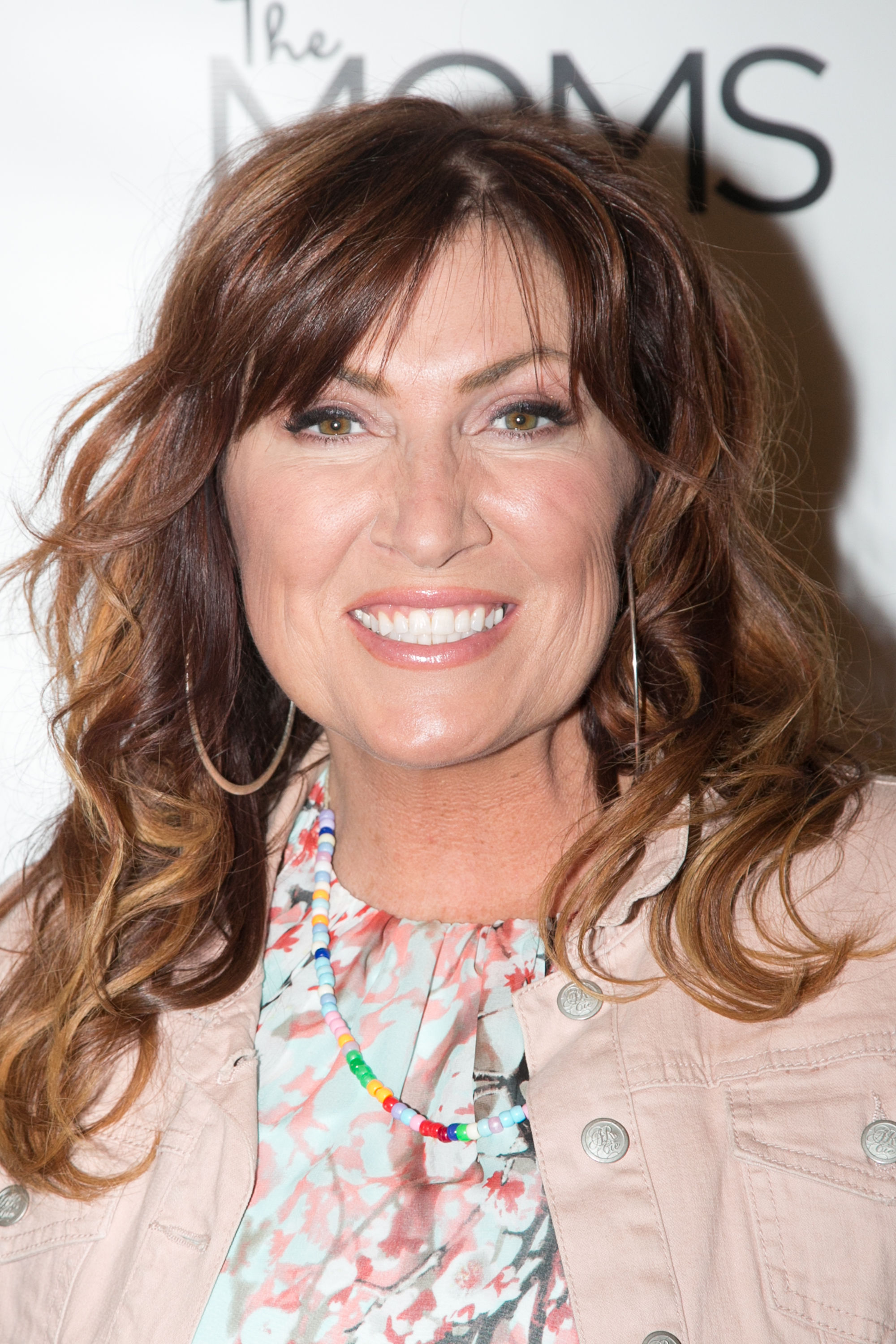 """Jo Dee Messina Reveals She's """"Leaning on God"""" More Than A Year into Cancer Battle"""