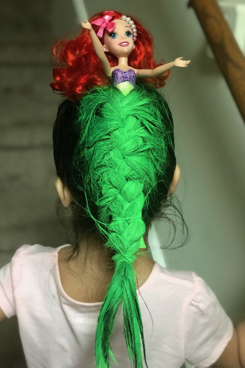 "Mom's <i>Little Mermaid</i> 'Do Blows Daughter's ""Crazy Hair Day"" Competition out of the Water"