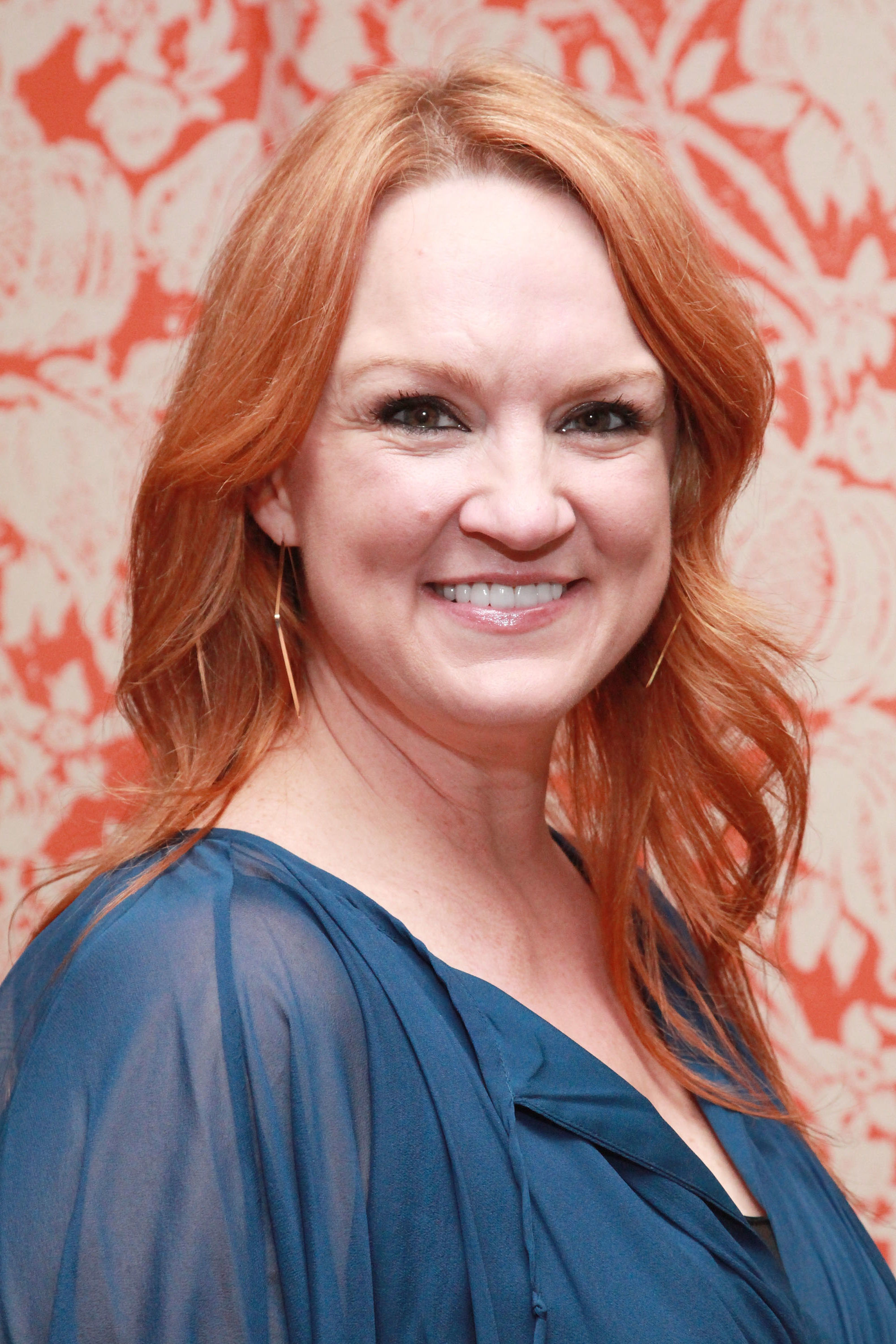 WATCH: Lucky Bride Surprised by Ree Drummond on Her Wedding Day