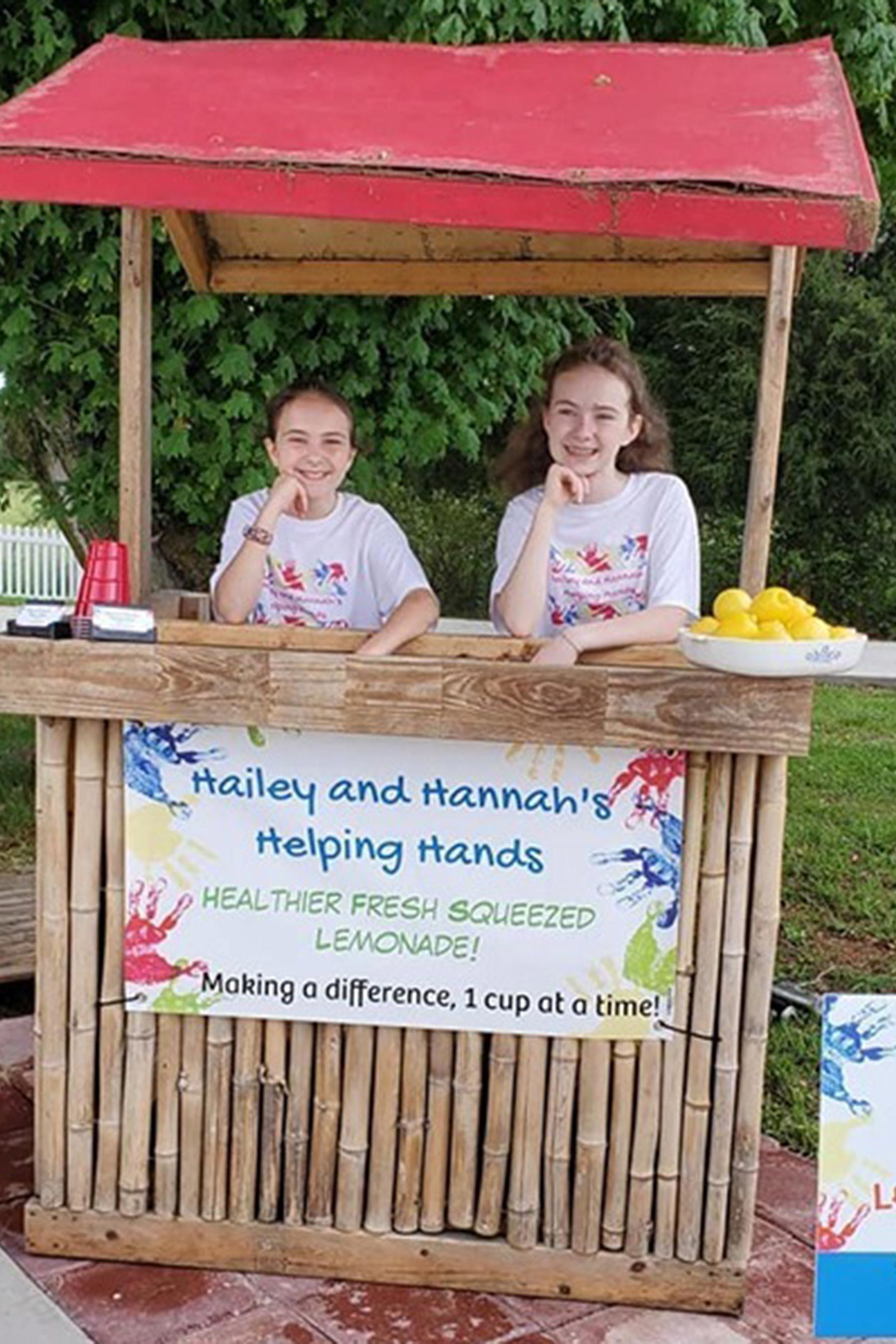Inspired by Kids Without Lunch Money, North Carolina Sisters Sell Lemonade to Pay Off District's Lunch Debt