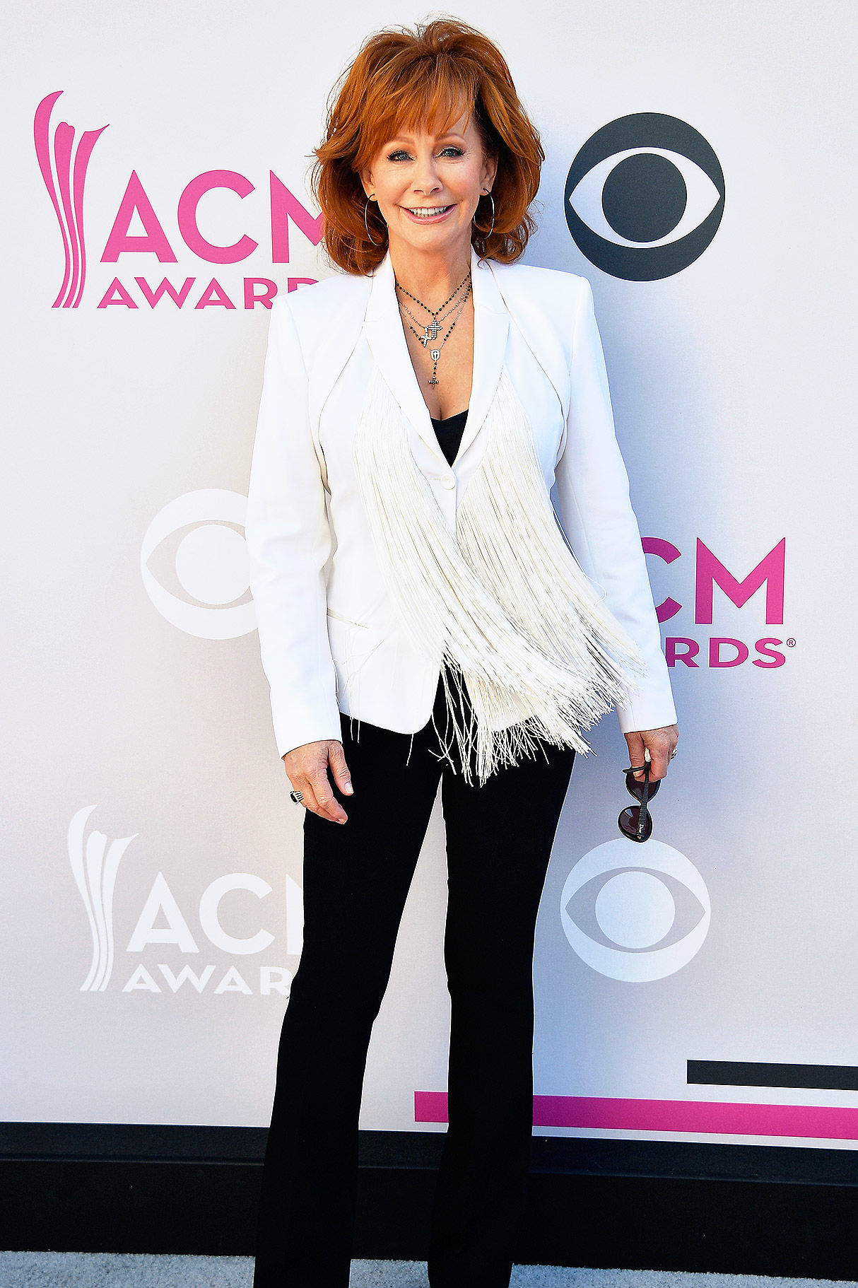 Reba McEntire Shares Hilarious 'Hipster' Throwback Photo on Twitter