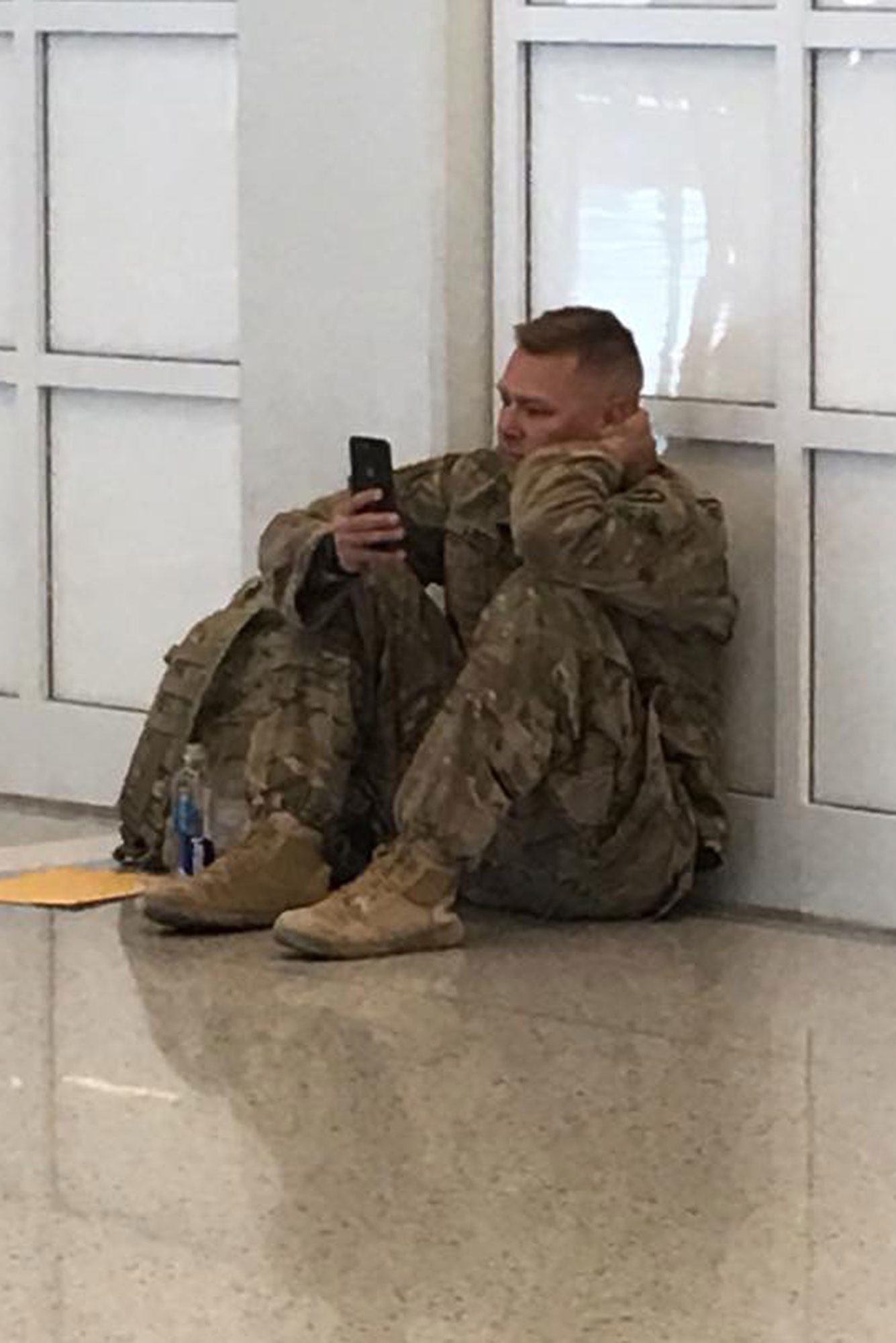 Soldier Stuck in Airport Watches Wife Give Birth to Daughter Over FaceTime: 'We Were All Cheering'