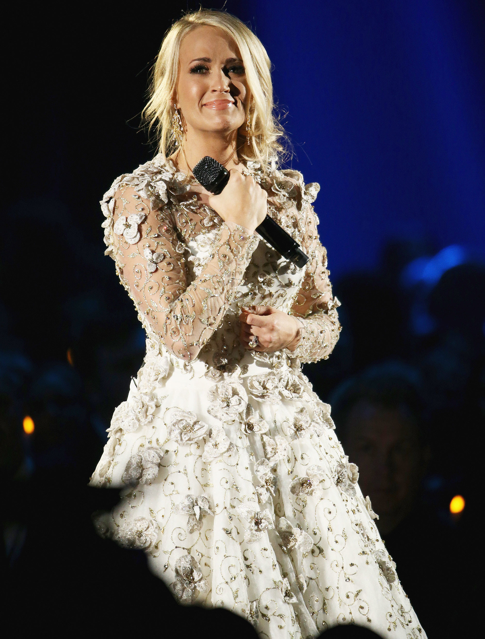 Carrie Underwood Breaks Wrist After a Fall: 'I'll Be Alright... Might Just Take Some Time'