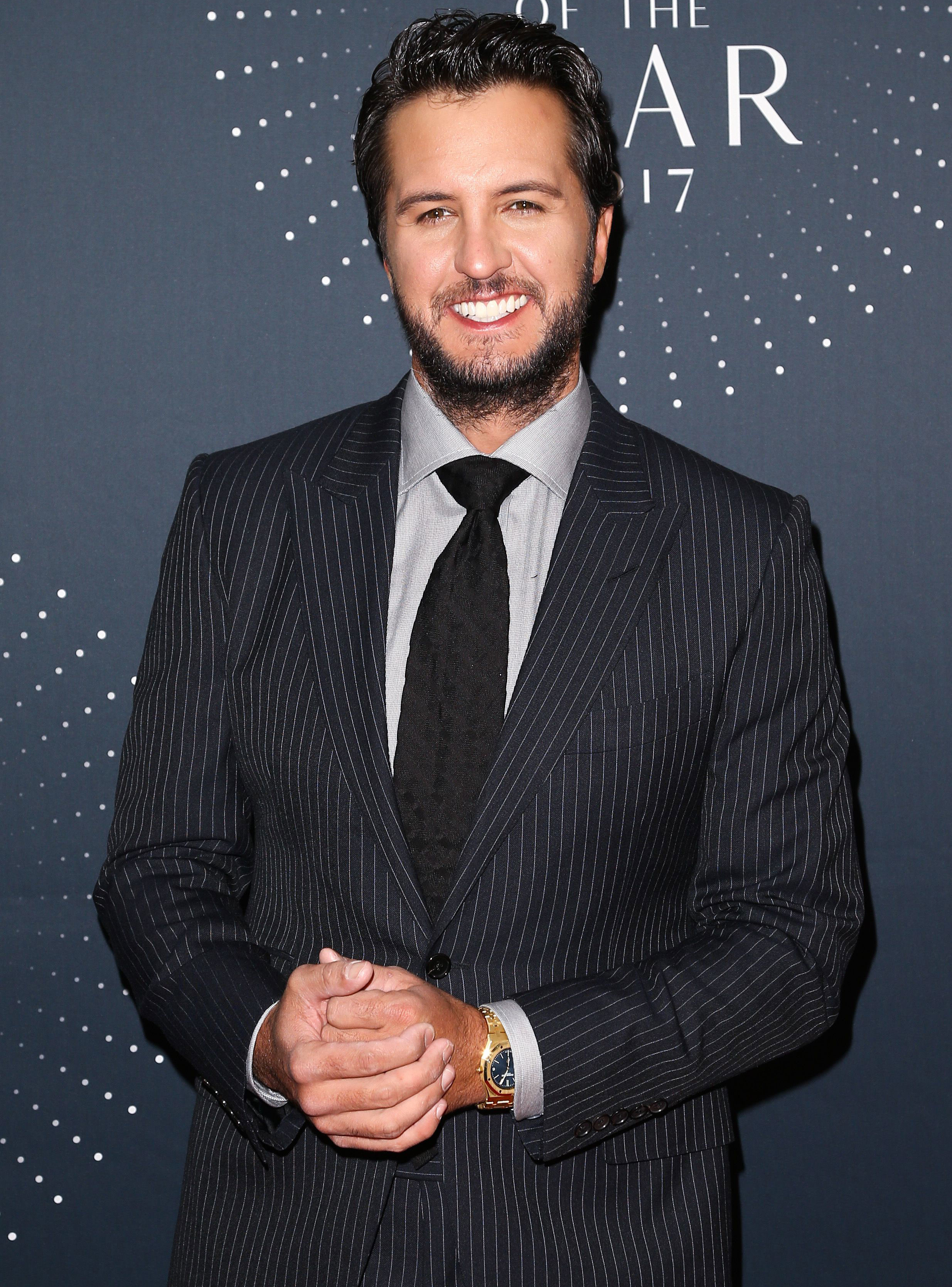 Luke Bryan Is Getting Into the Christmas Spirit with Soulful Rendition of 'O Holy Night'