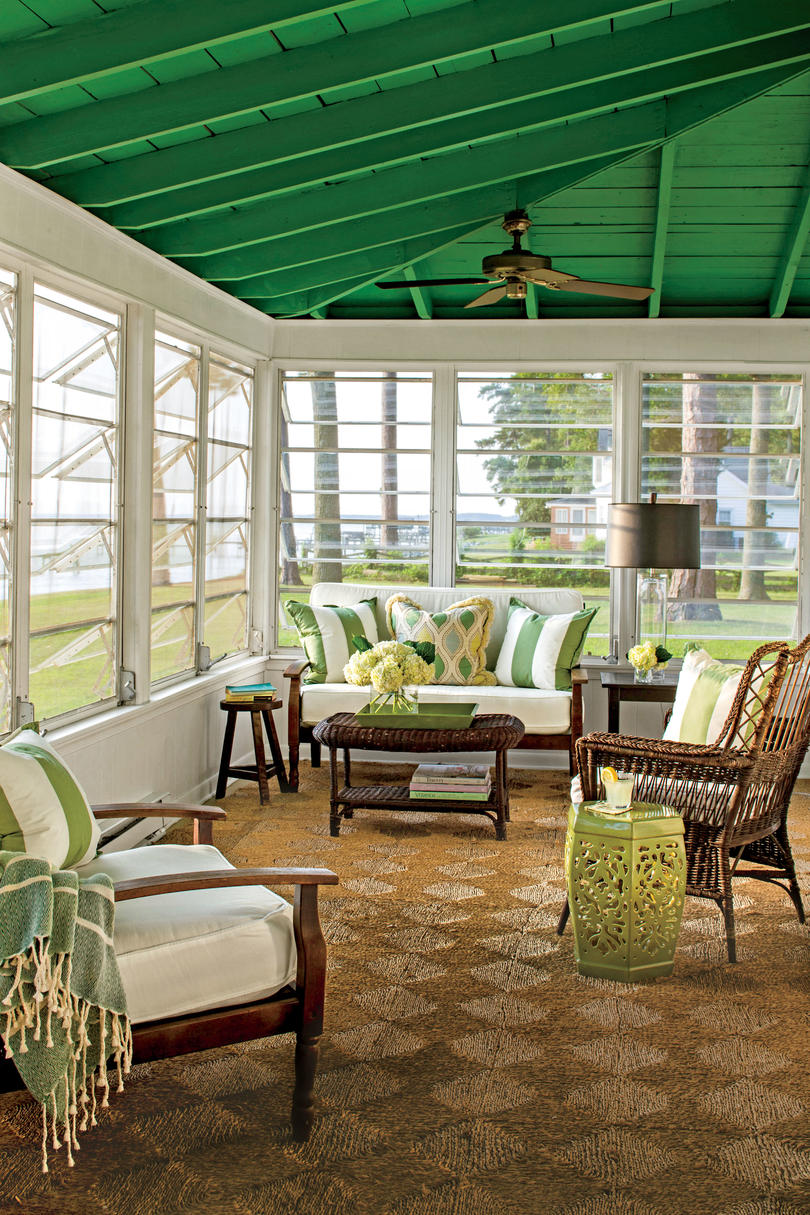 Porch and patio design inspiration southern living for Houses with screened in porches