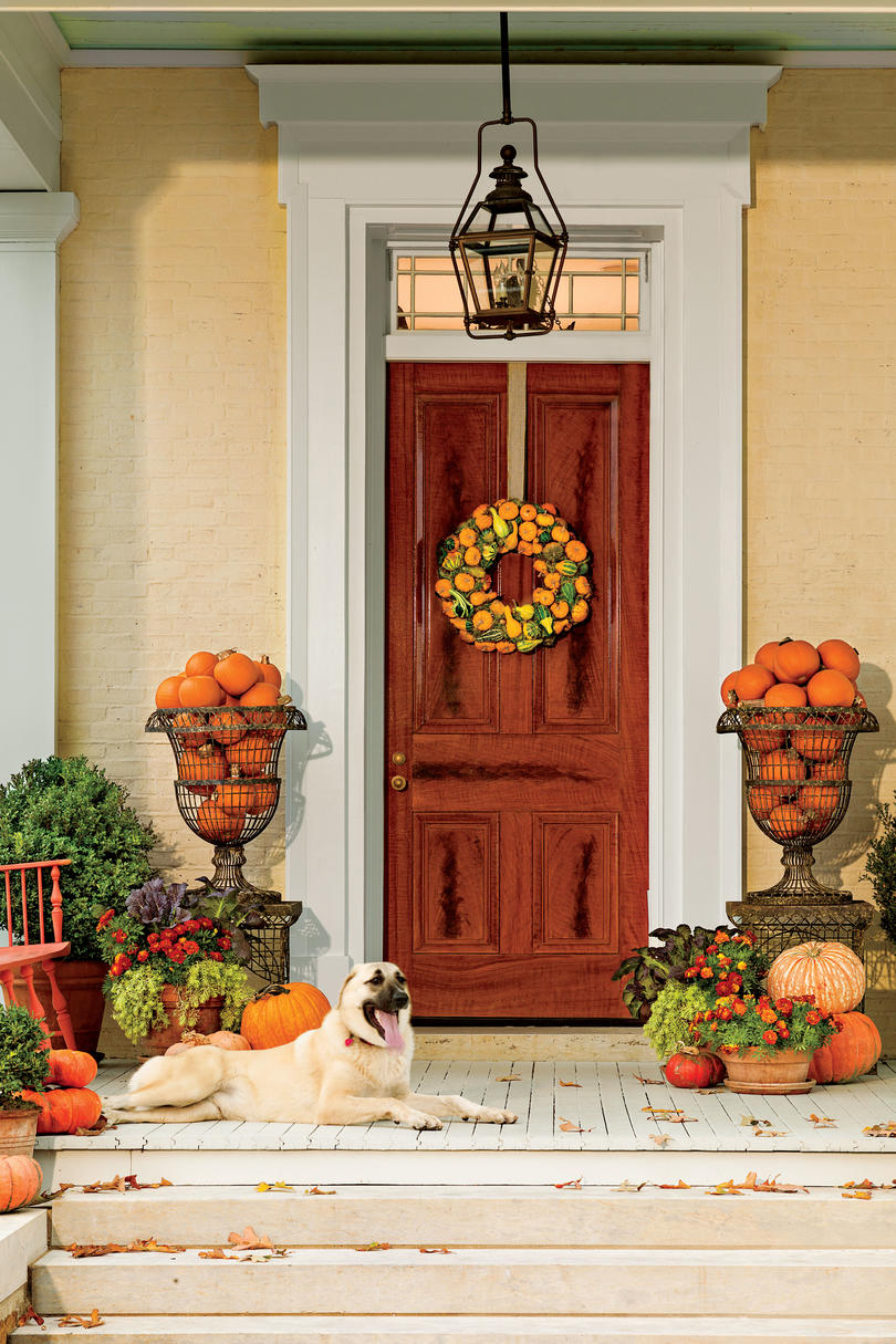 Front door container gardens southern living for Classic house plants