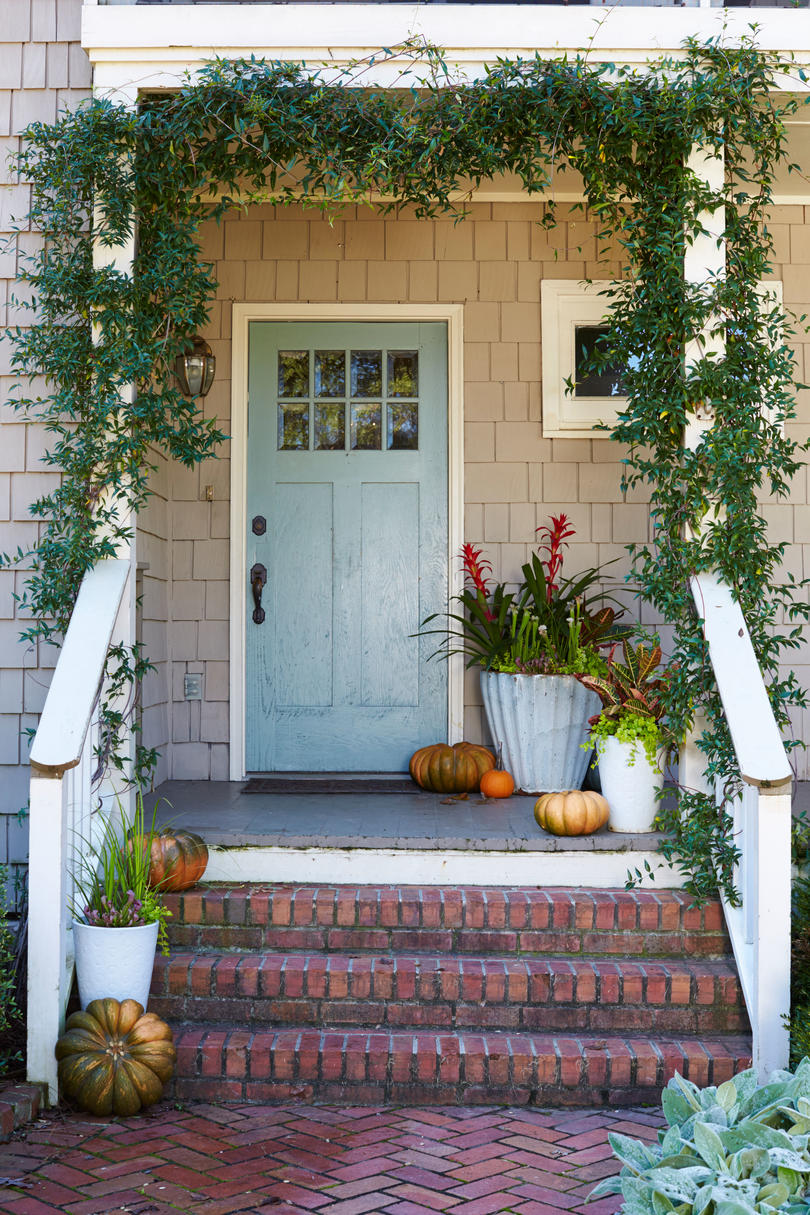 RX_1703_Modern Touch_Front Door Containers.jpg