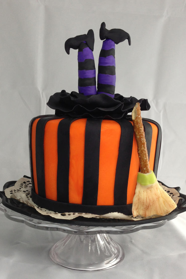 Upside-Down Witch Cake