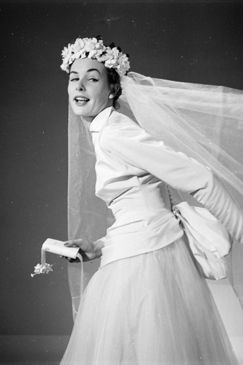 Gorgeous Wedding Veils Through The Years